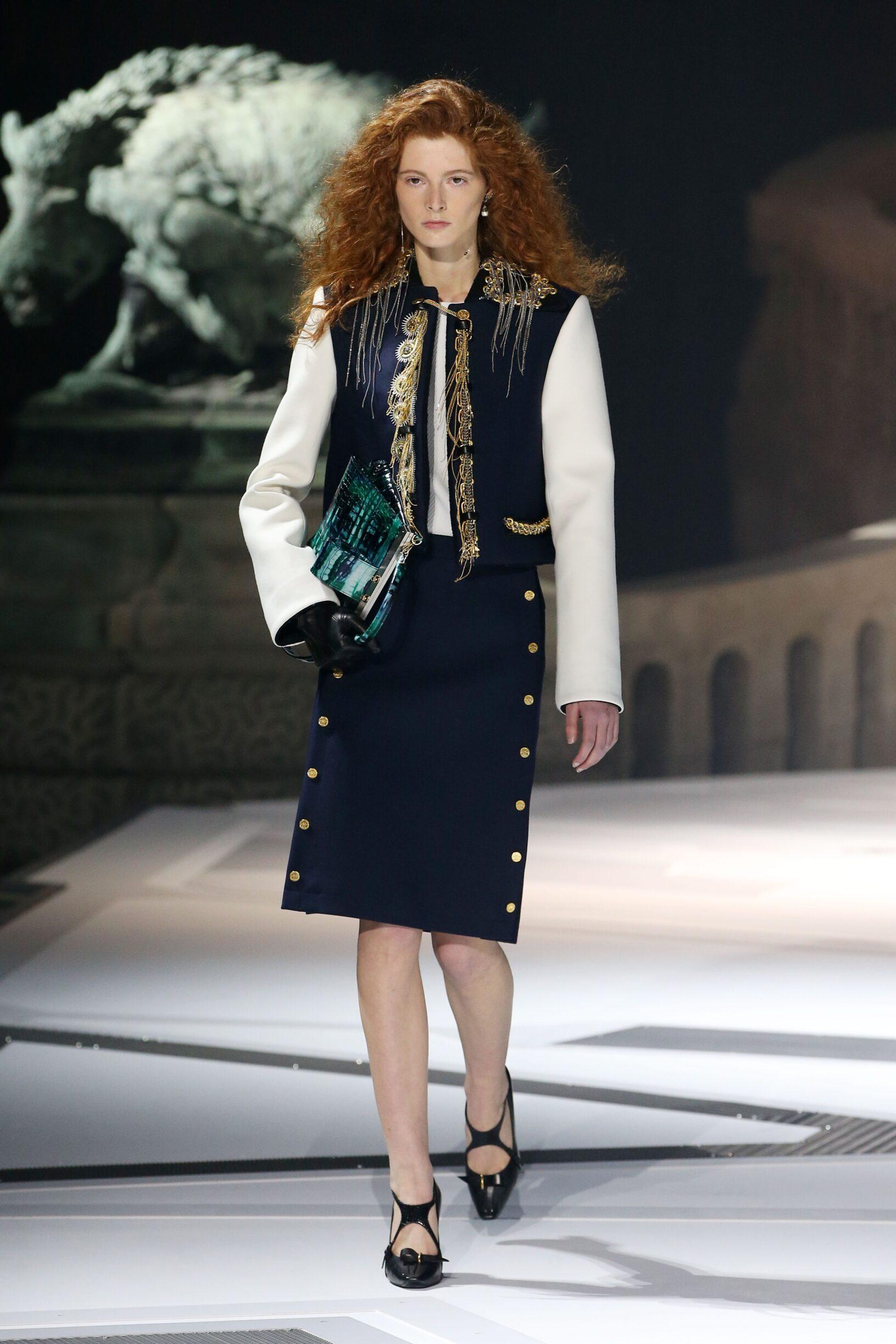 e23fd2015767 Model Fashion Show Louis Vuitton
