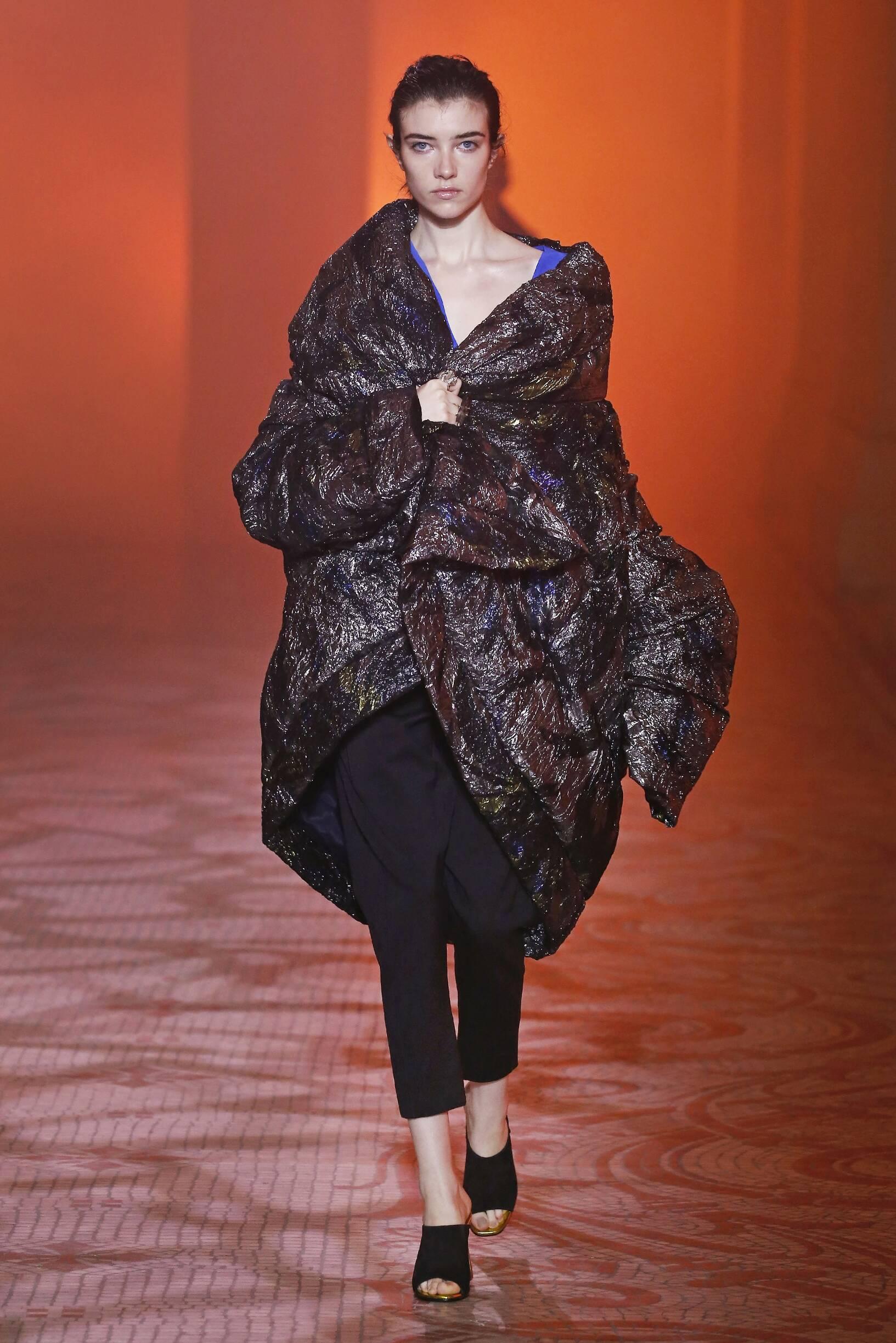 Model Fashion Show Poiret