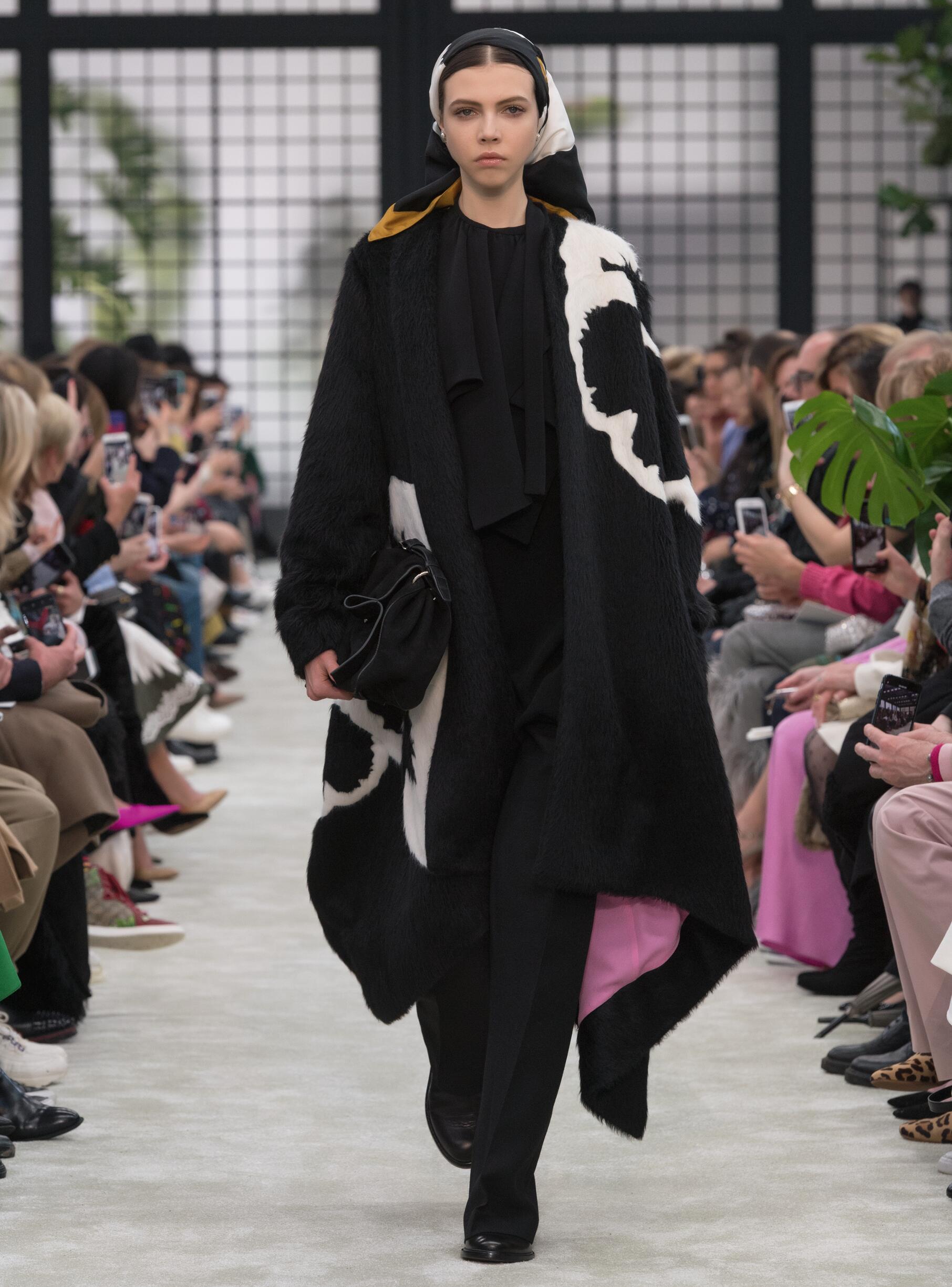 Model Fashion Show Valentino