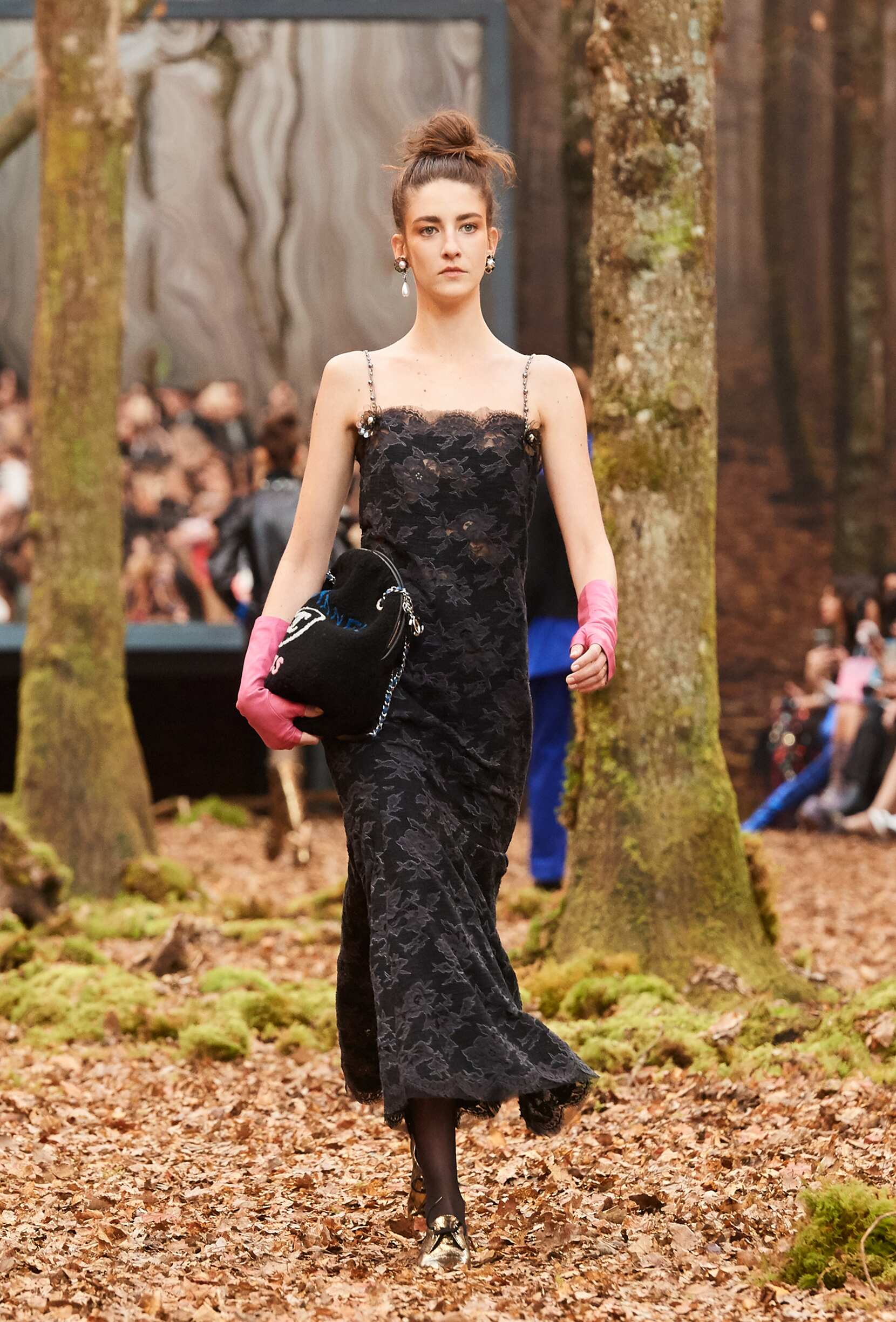 Model Fashion Week 2018 Catwalk Chanel