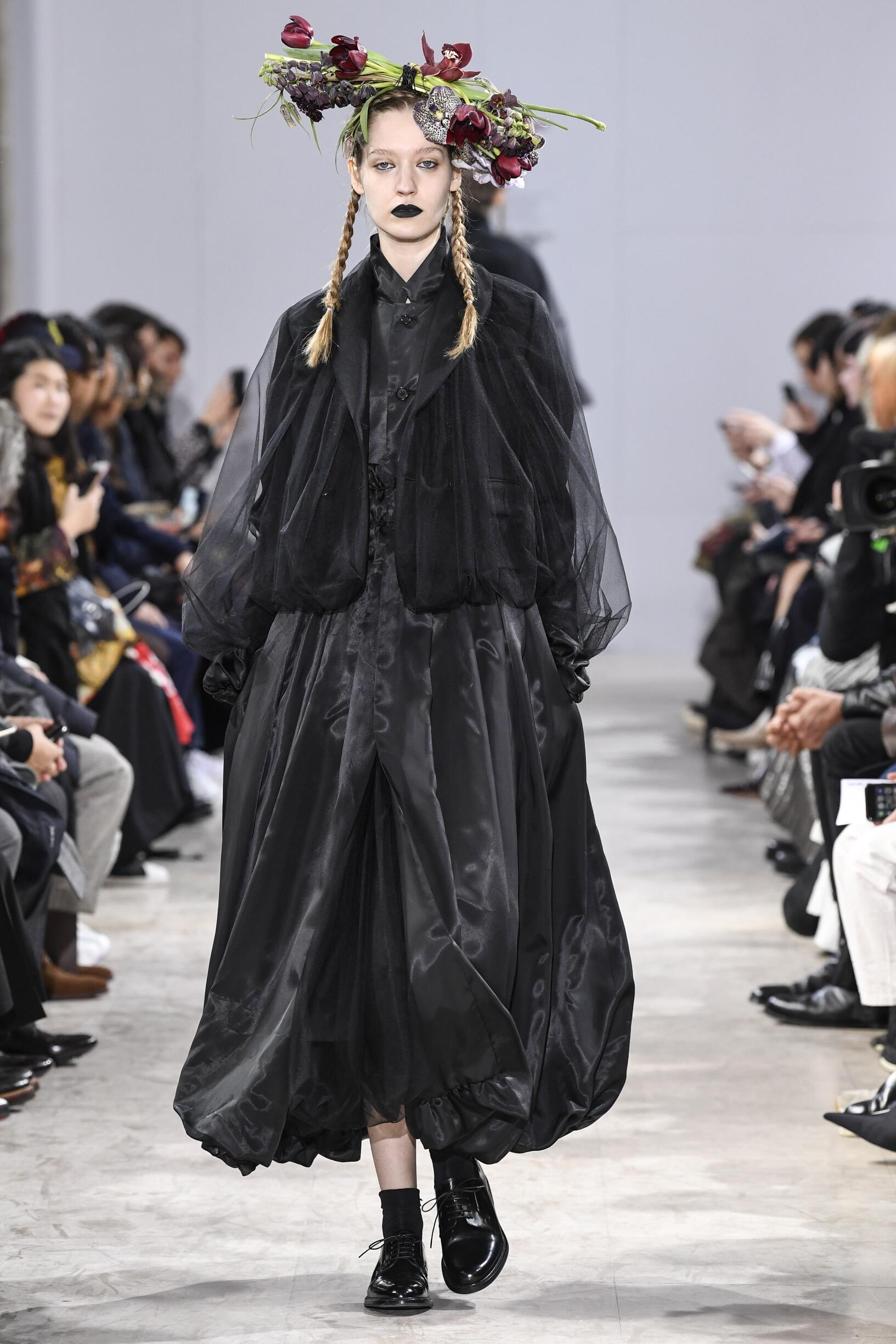 Noir Kei Ninomiya Fashion Show