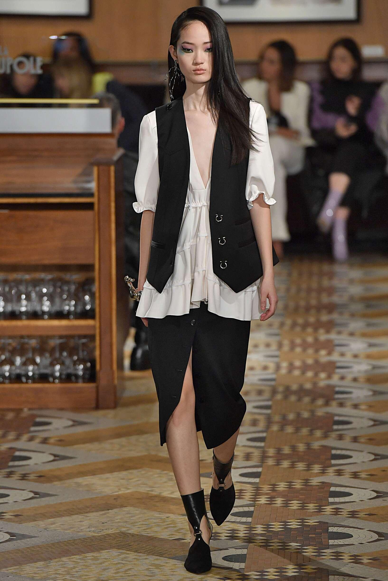 Runway Altuzarra Fall Winter 2018 Women's Collection Paris Fashion Week