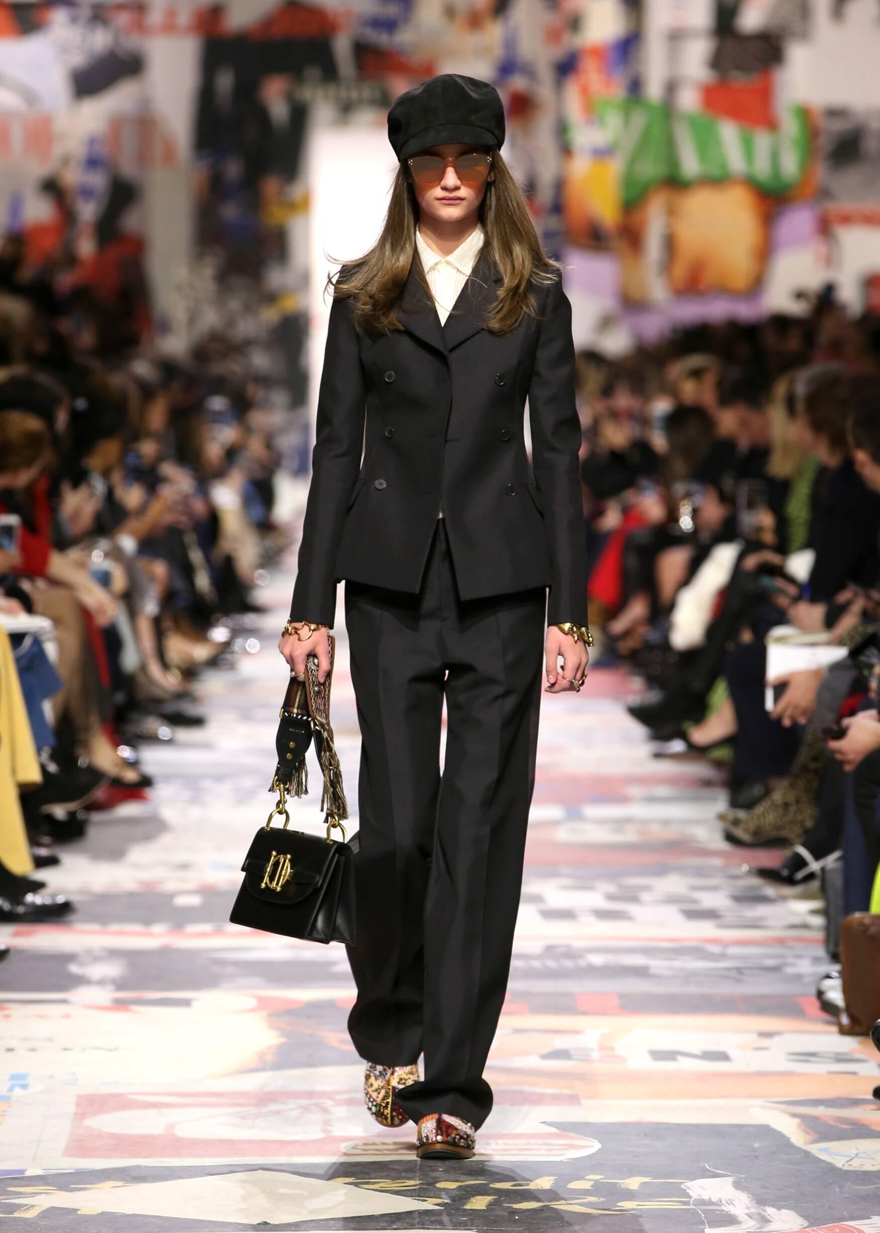 Runway Dior Fall Winter 2018 Women's Collection Paris Fashion Week