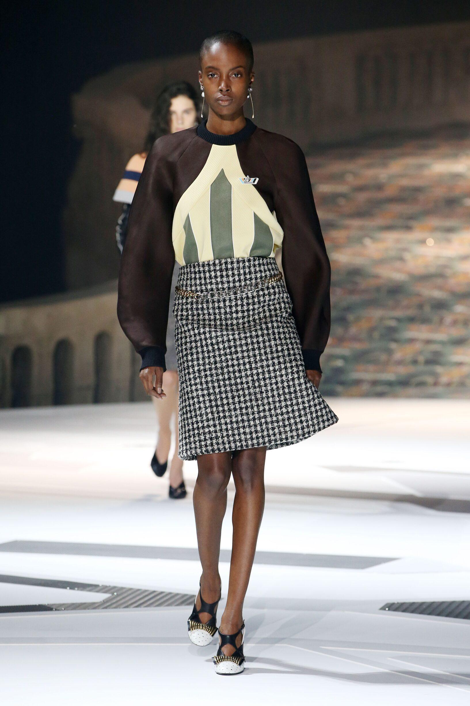 Runway Louis Vuitton Fall Winter 2018 Women's Collection Paris Fashion Week