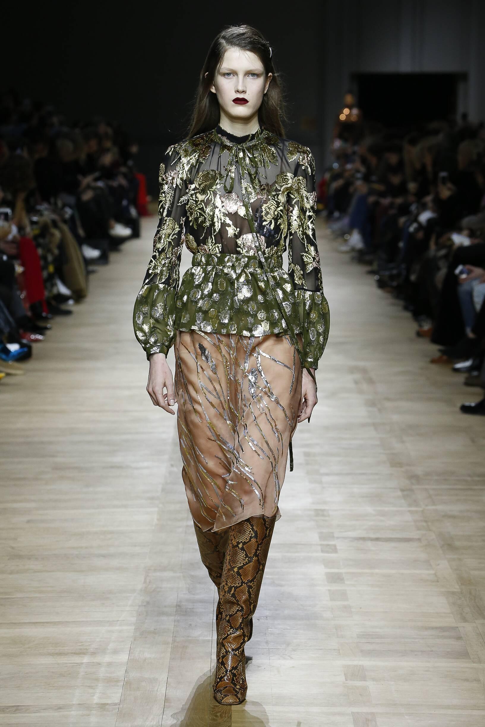 Runway Rochas Fall Winter 2018 Women's Collection Paris Fashion Week