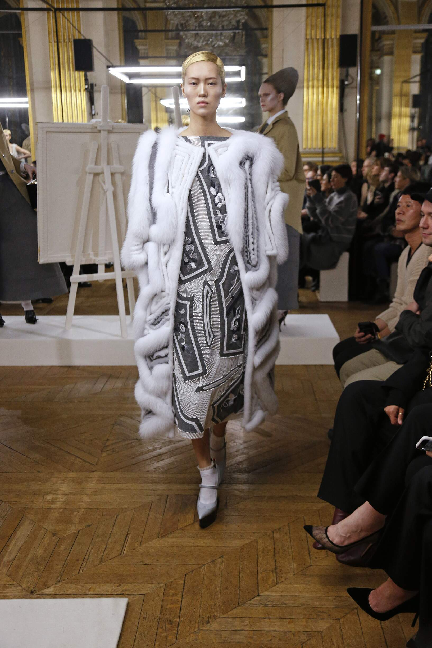 Thom Browne Winter 2018 Woman Catwalk