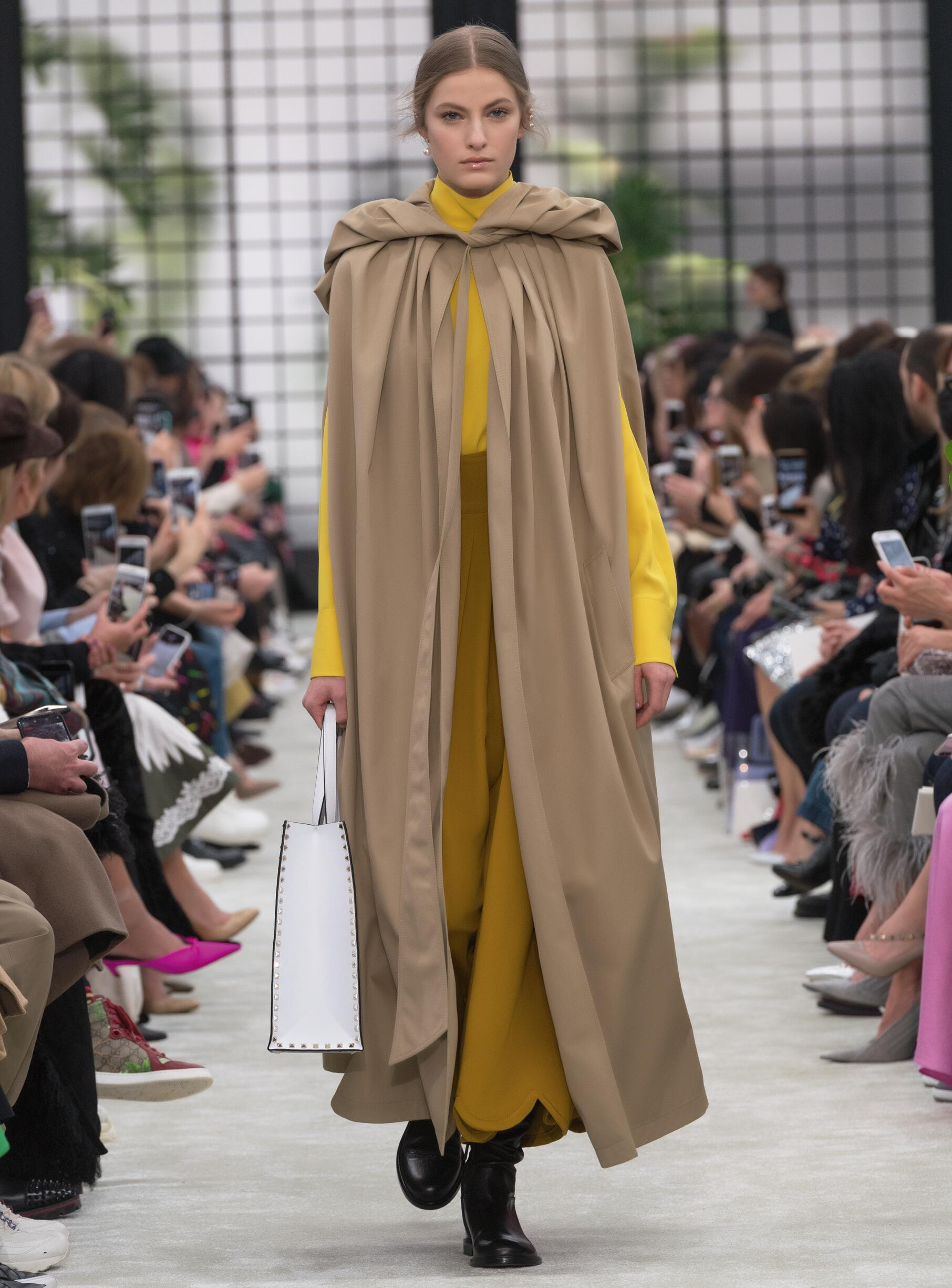 Valentino Fall Winter 2018 Womens Collection Paris Fashion Week