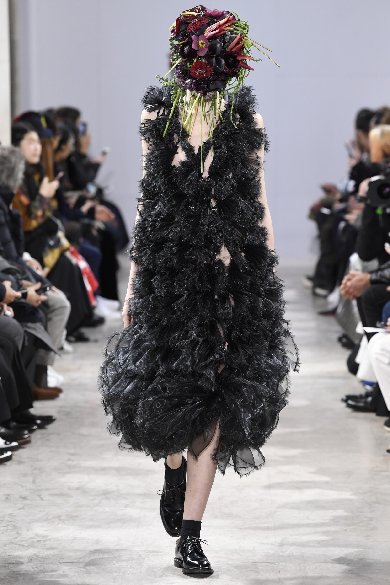 Winter 2018 Fashion Trends Noir Kei Ninomiya