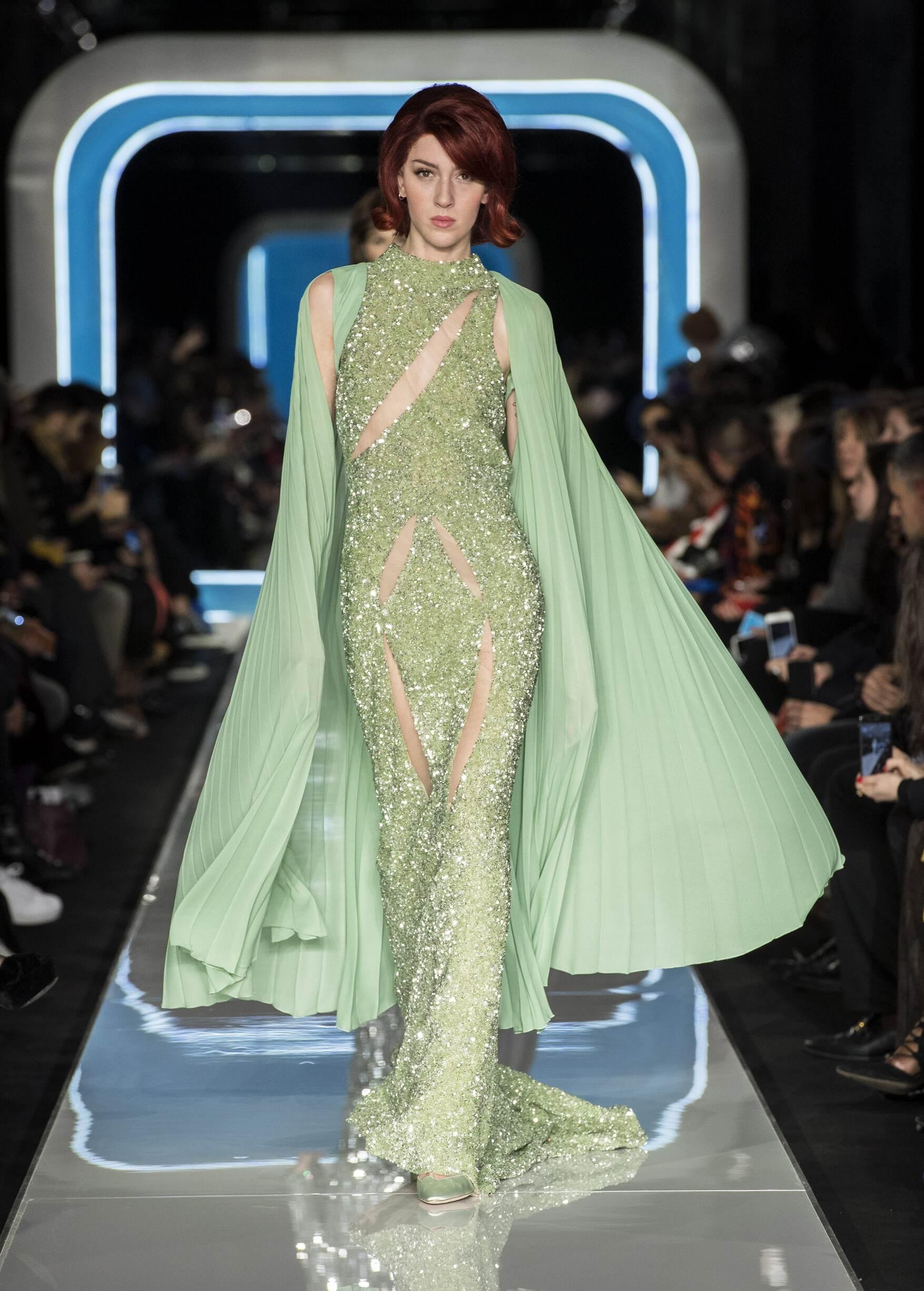 Woman FW 2018-19 Moschino Fashion Show Milan