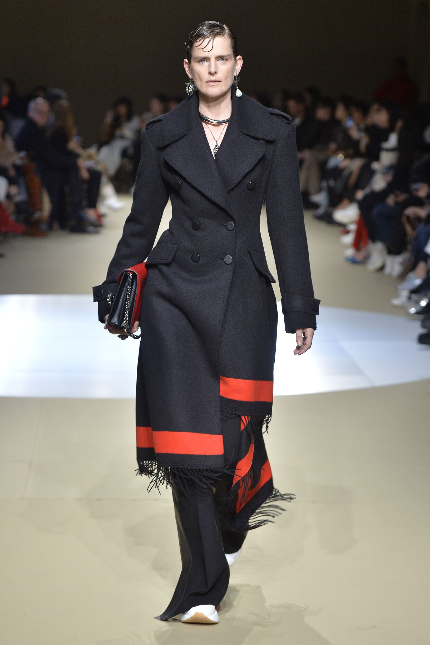 Woman Fall 2018 Fashion Trends Alexander McQueen