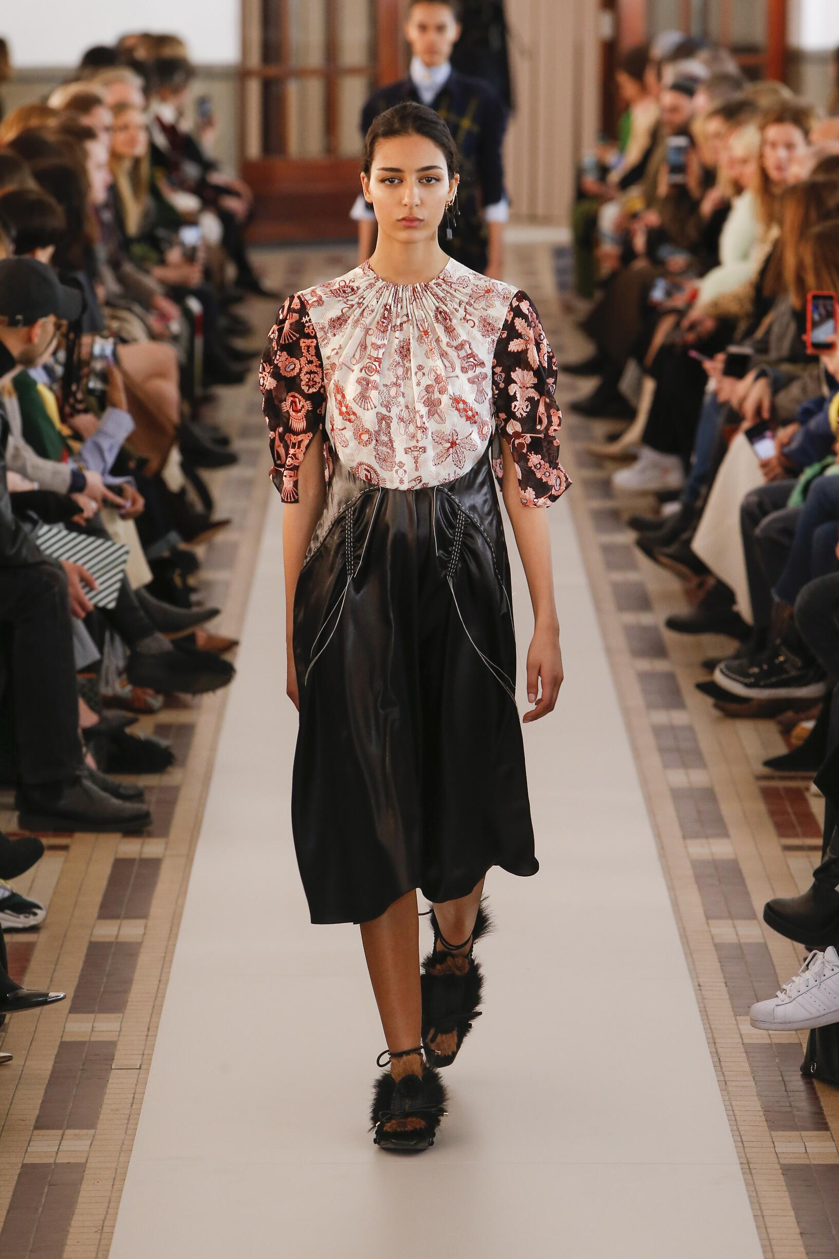 Woman Fall 2018 Fashion Trends Carven