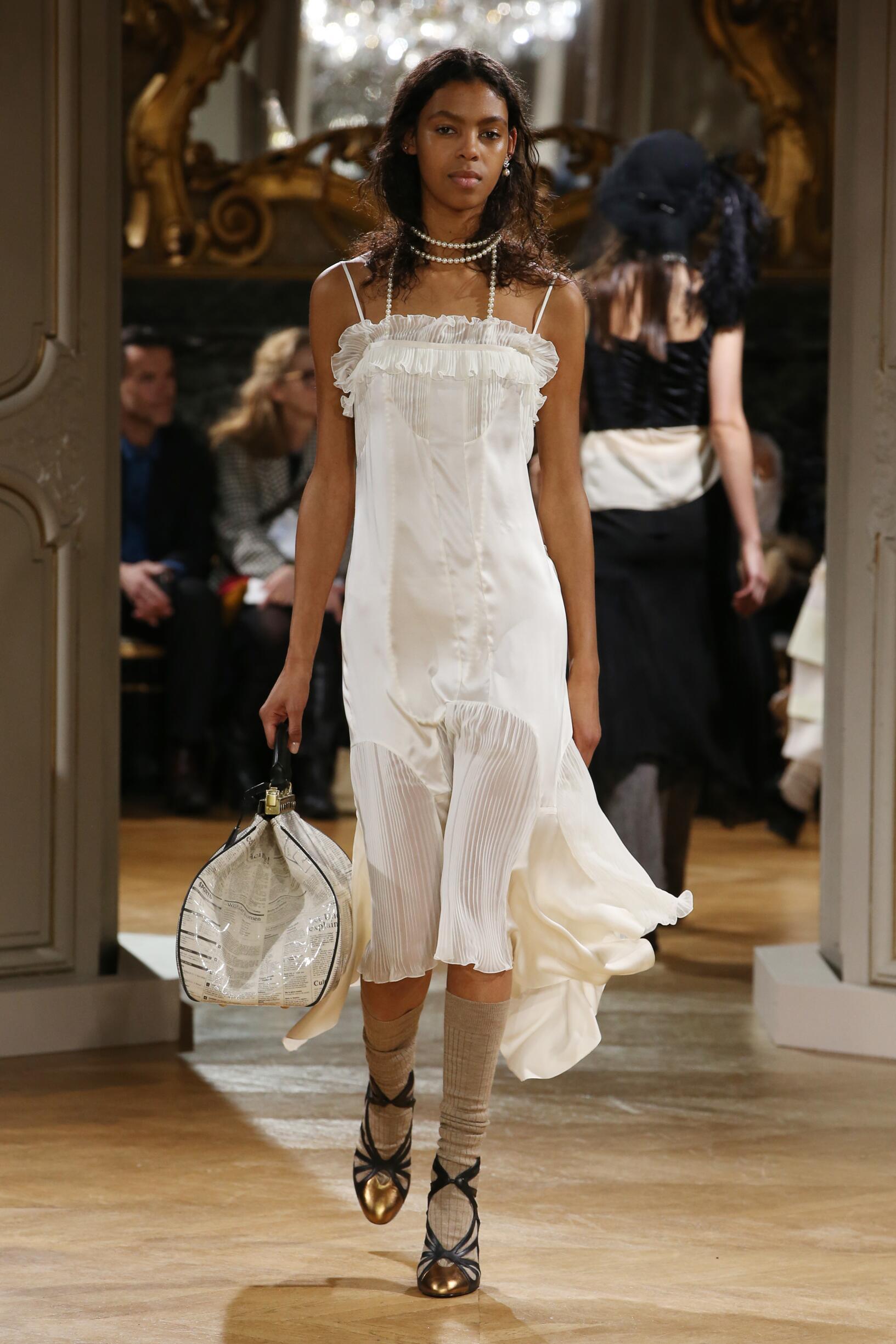 Woman Fall 2018 Fashion Trends John Galliano