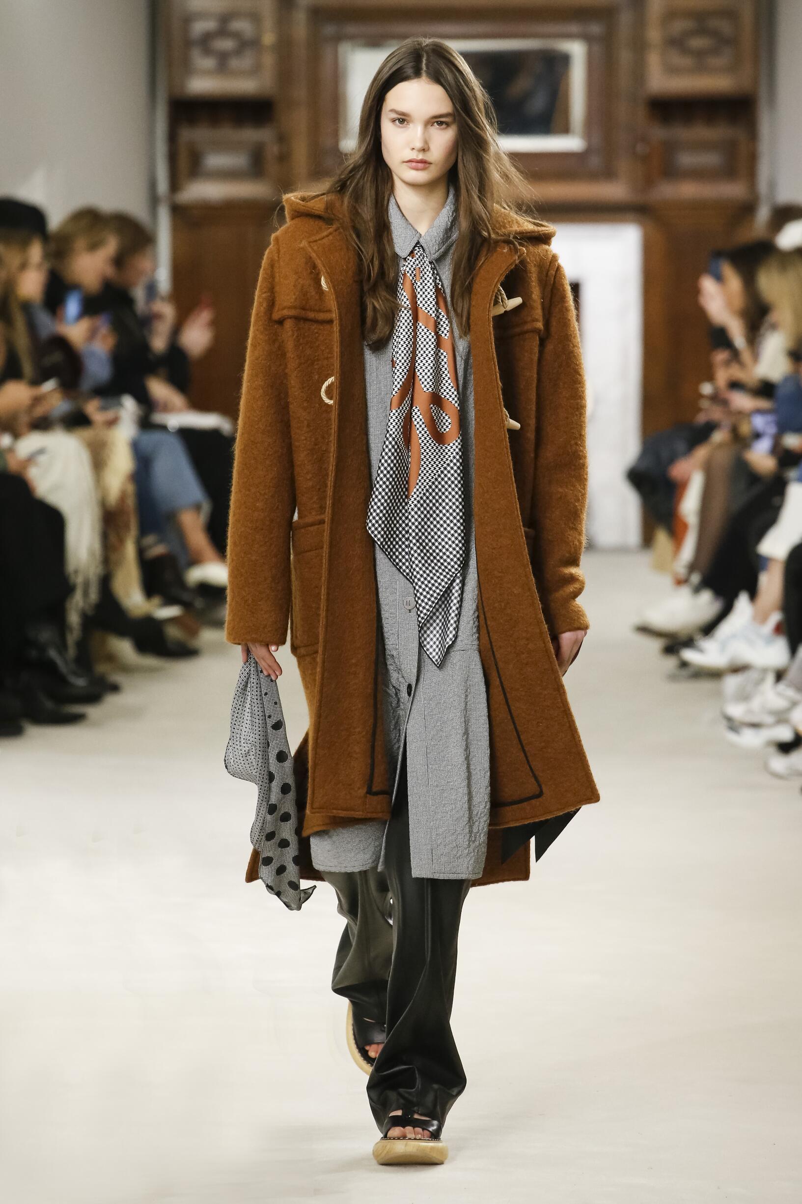 Woman Fall 2018 Fashion Trends Loewe