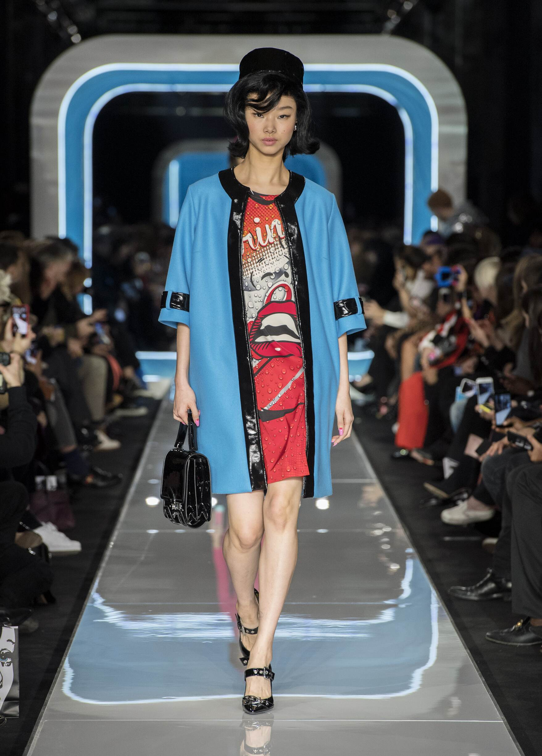 Woman Fall 2018 Fashion Trends Moschino