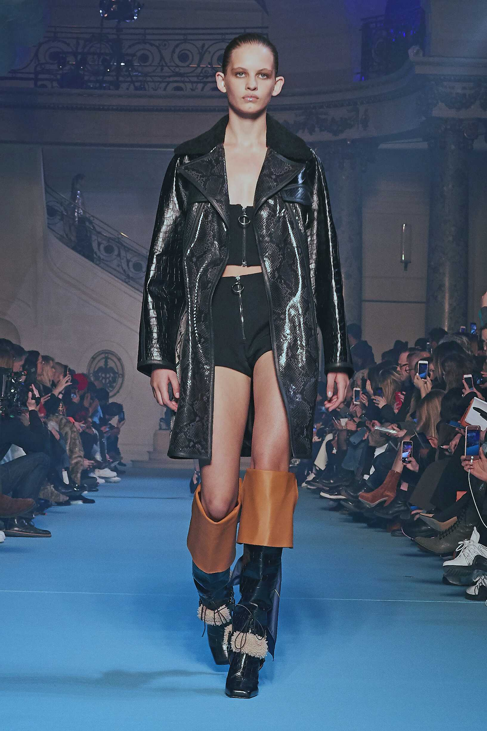 Woman Fall 2018 Fashion Trends Off-White
