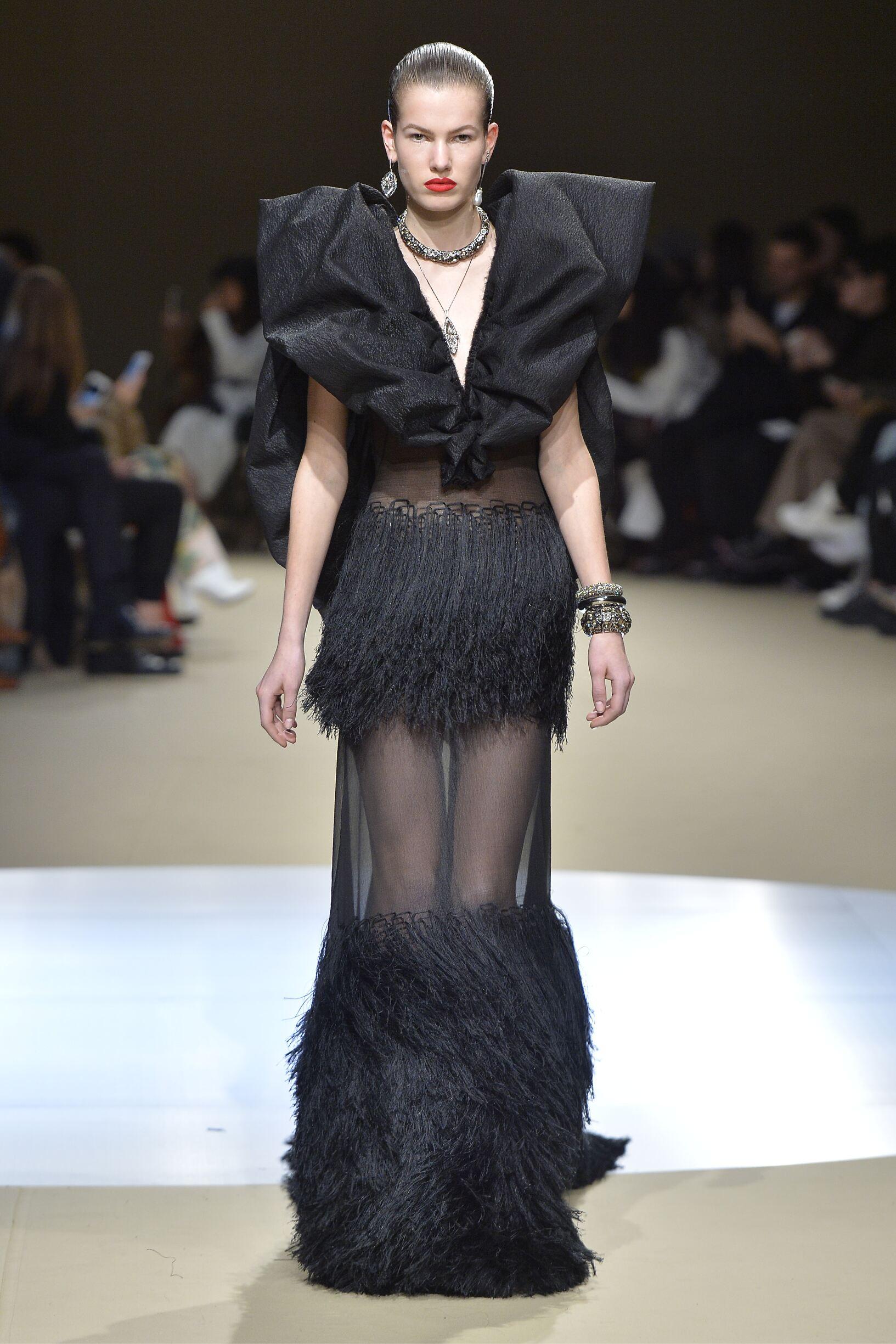 Womenswear FW Alexander McQueen 2018-19