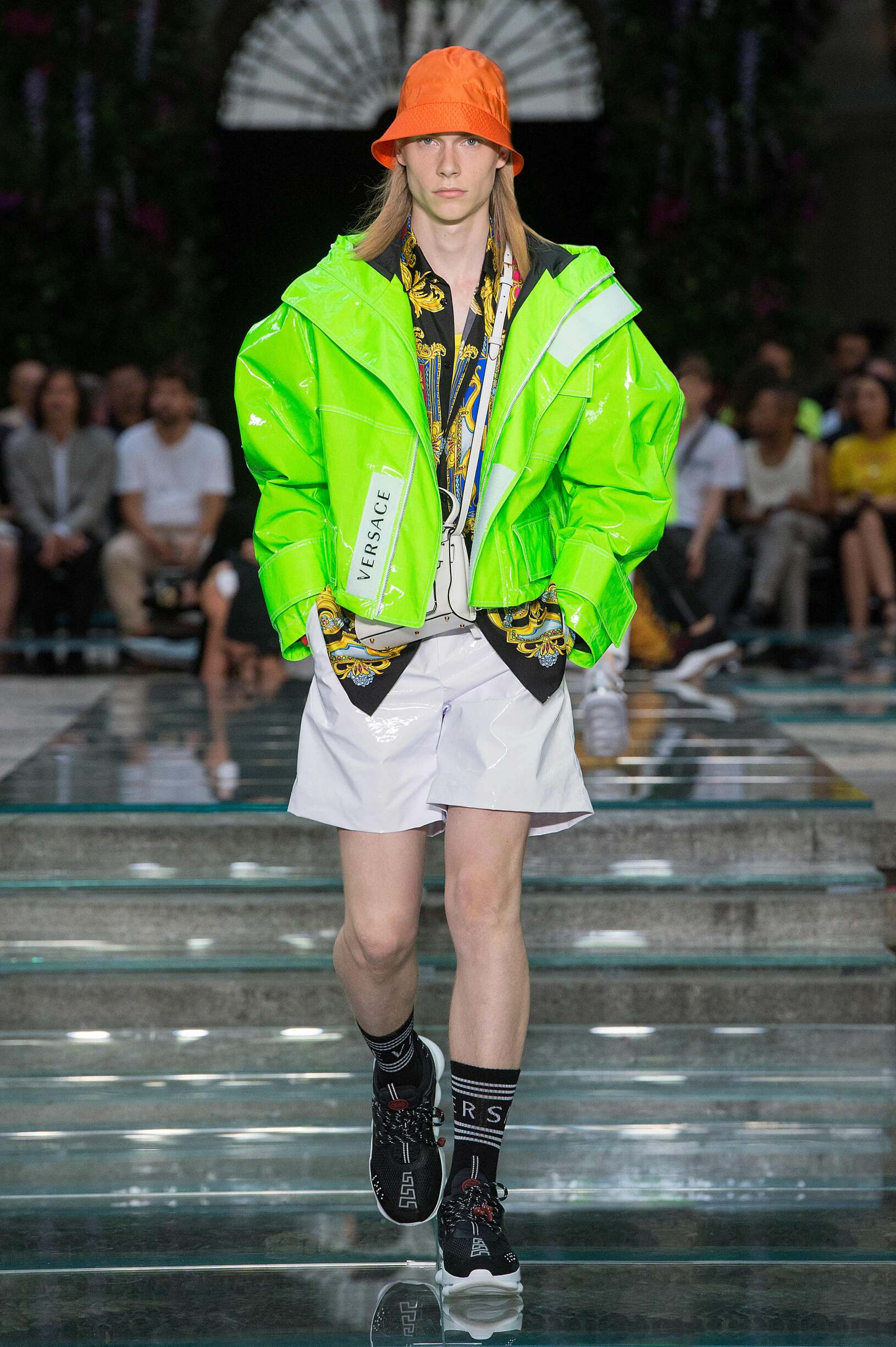 2019 Catwalk Versace Man Fashion Show Summer