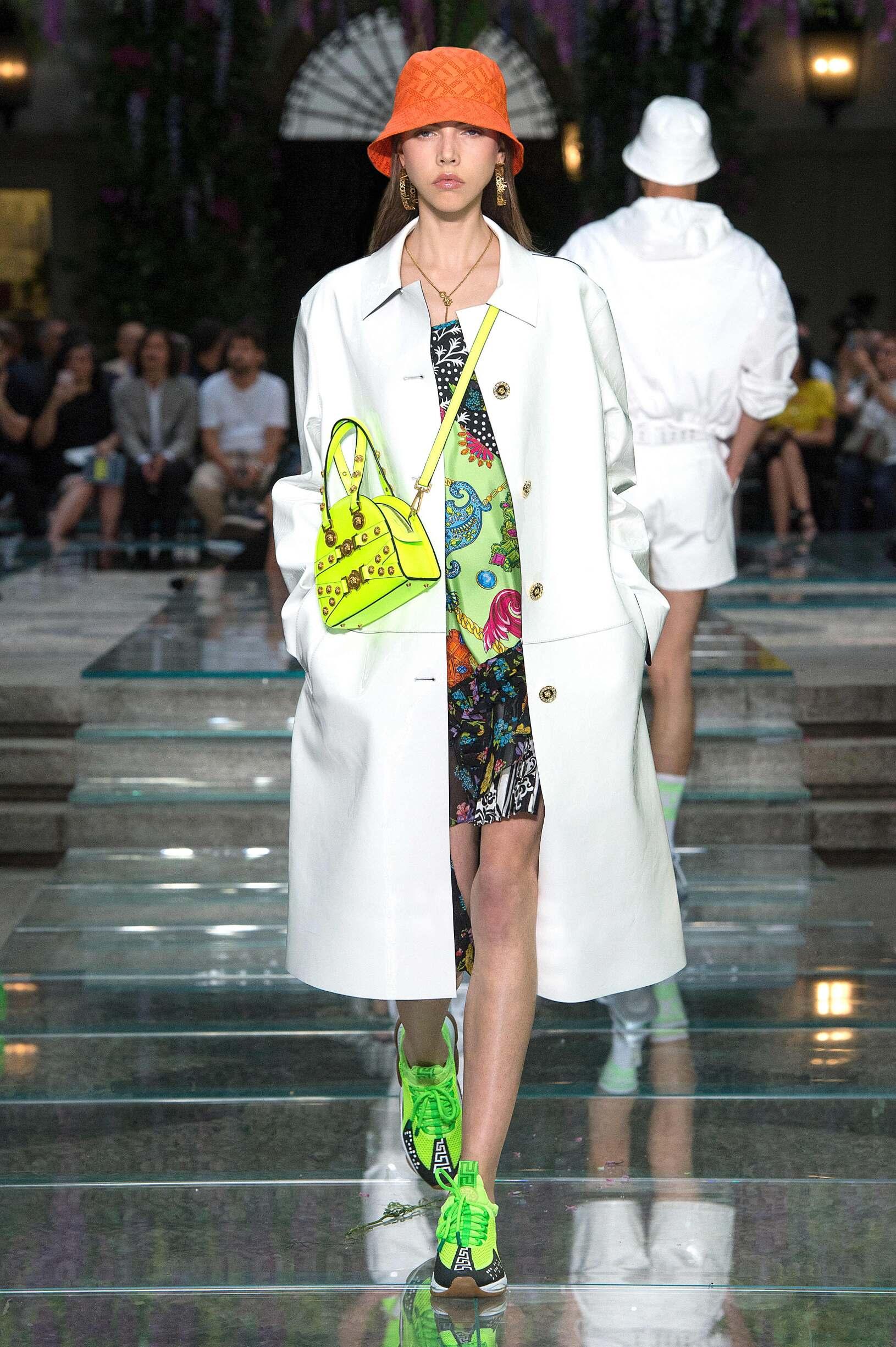 2019 Woman Style Versace