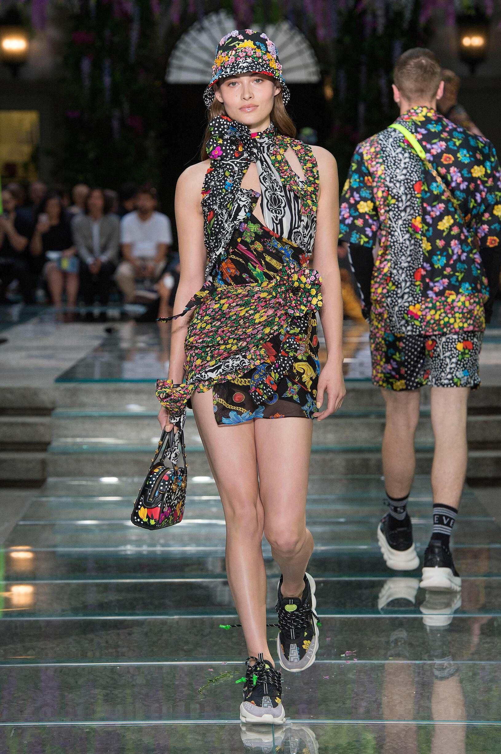 Catwalk Versace Woman Fashion Show Summer 2019