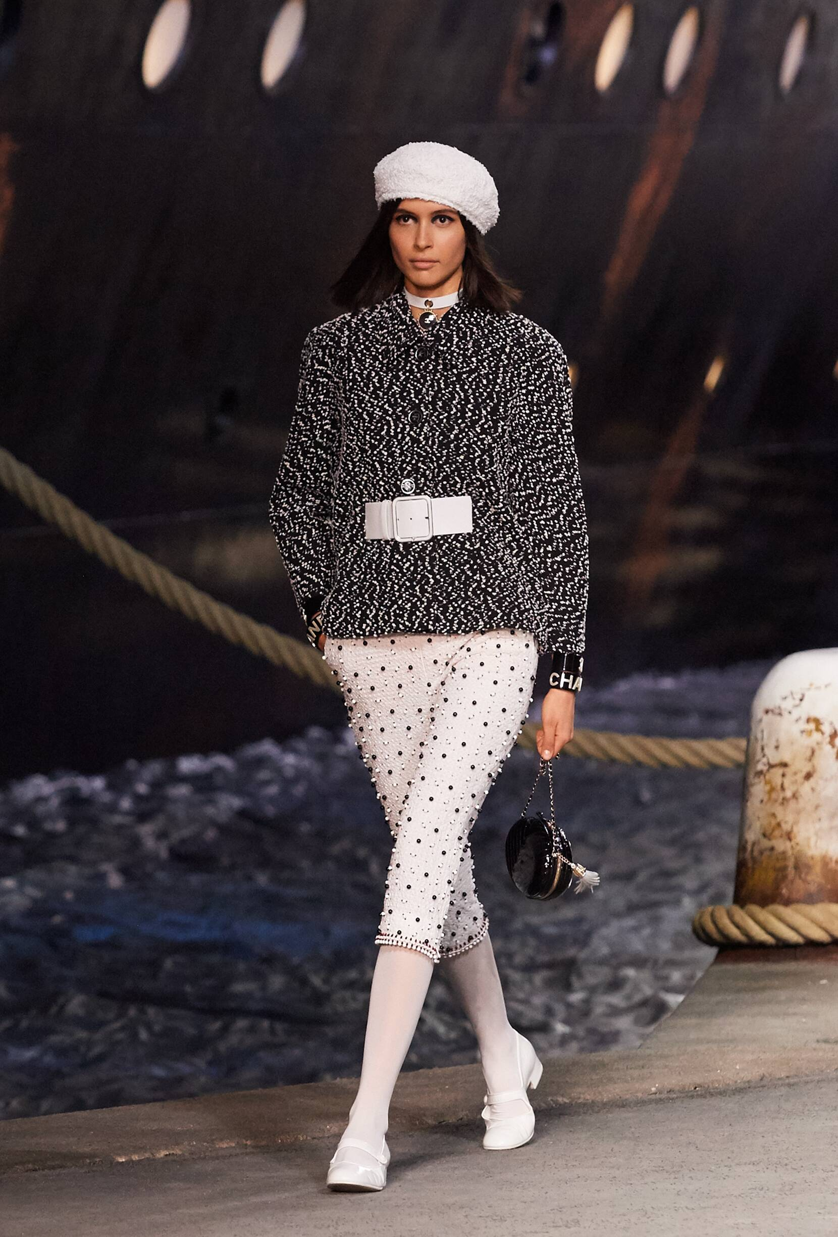 Chanel Cruise Collection 2018-19 Look 23 Paris