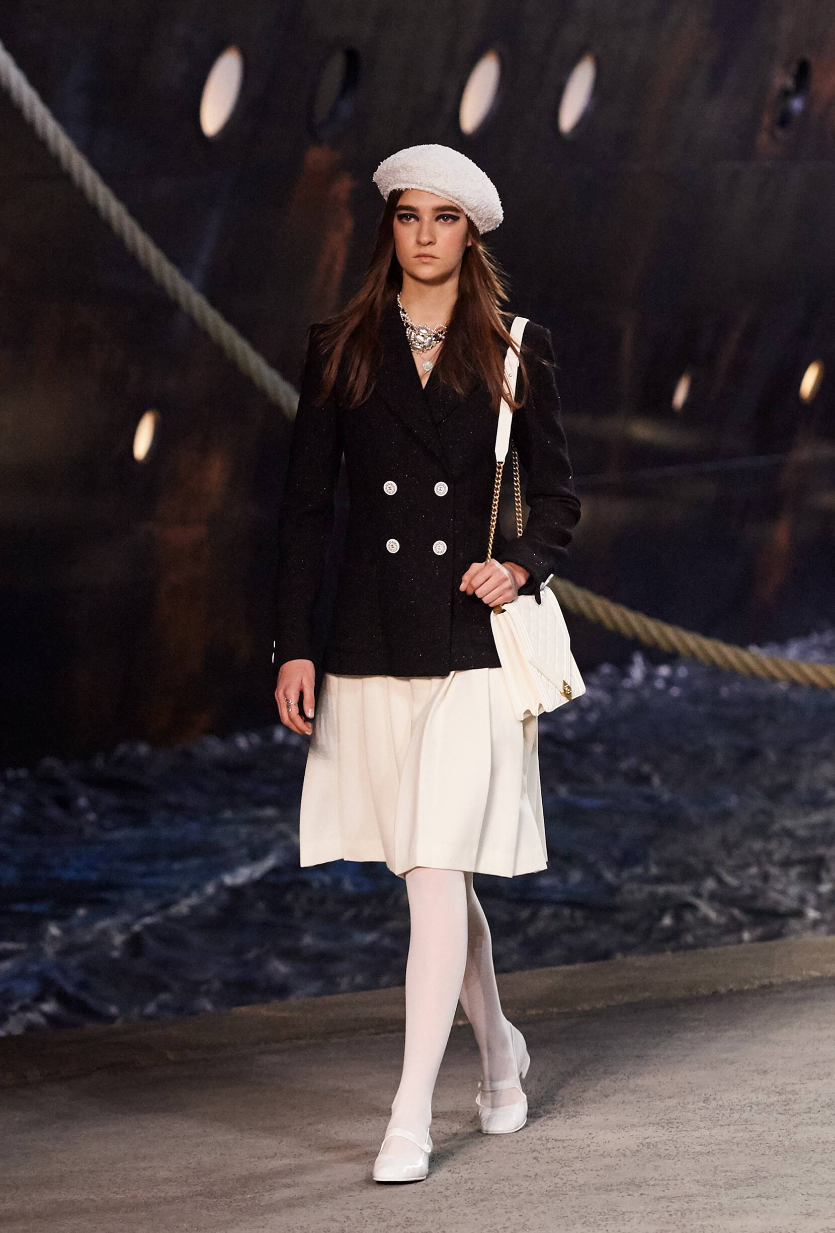 Chanel Cruise Collection 2018-19 Look 5 Paris