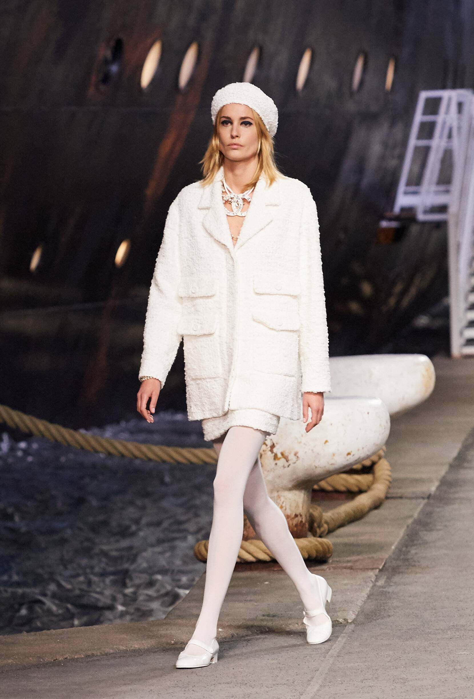 Chanel Cruise Collection 2018-19 Look 6 Paris