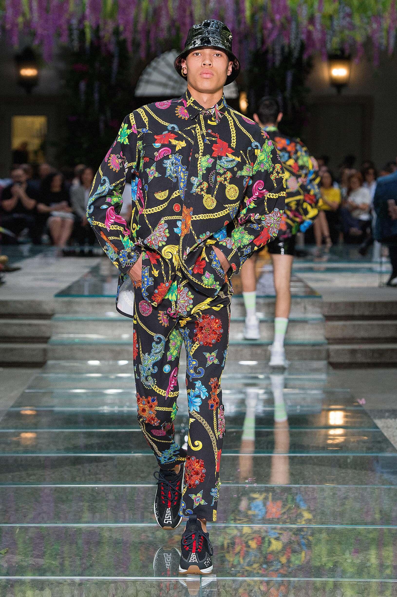 Fashion 2019 Man Style Versace