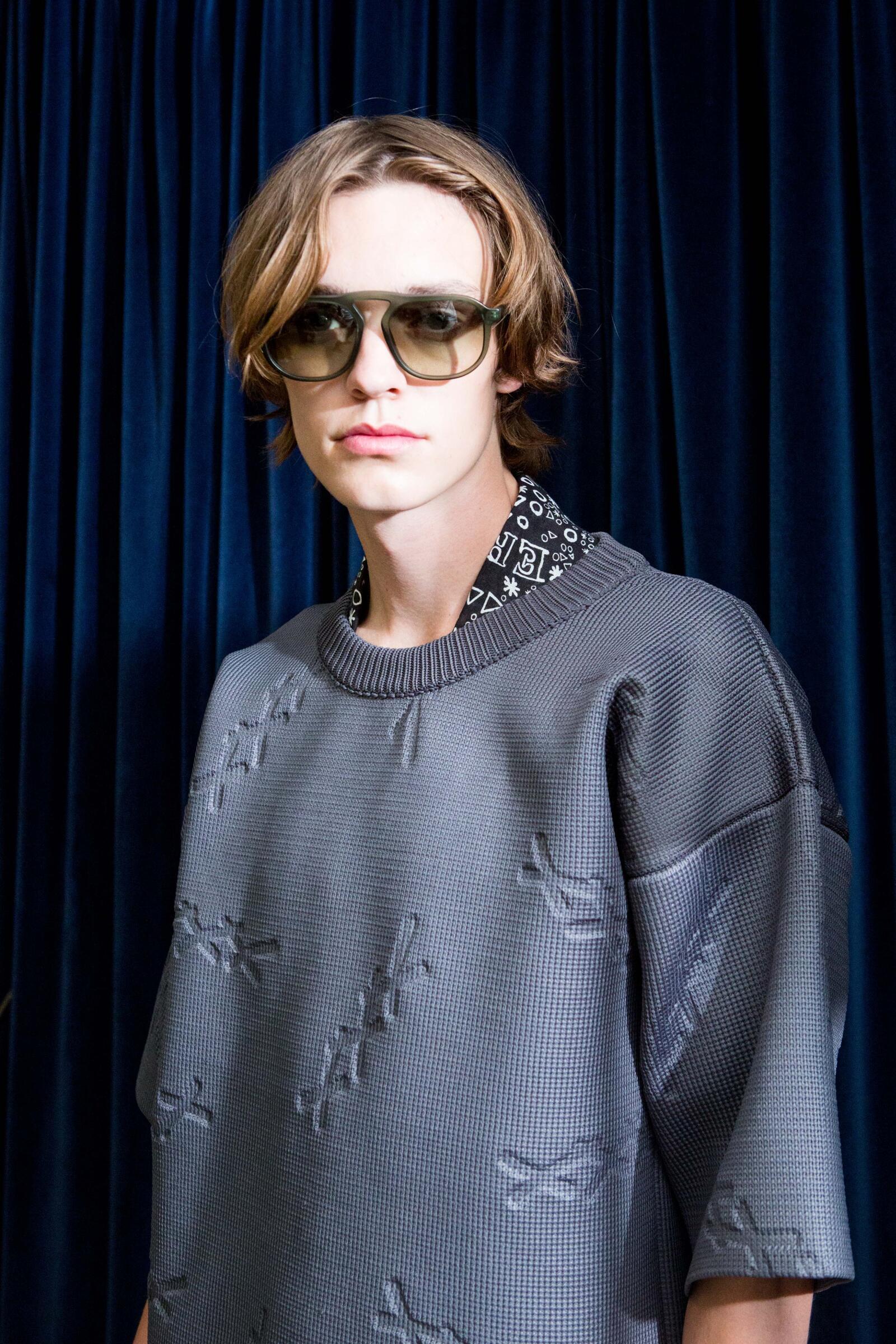 Man Model 2019 Backstage Ermenegildo Zegna Couture