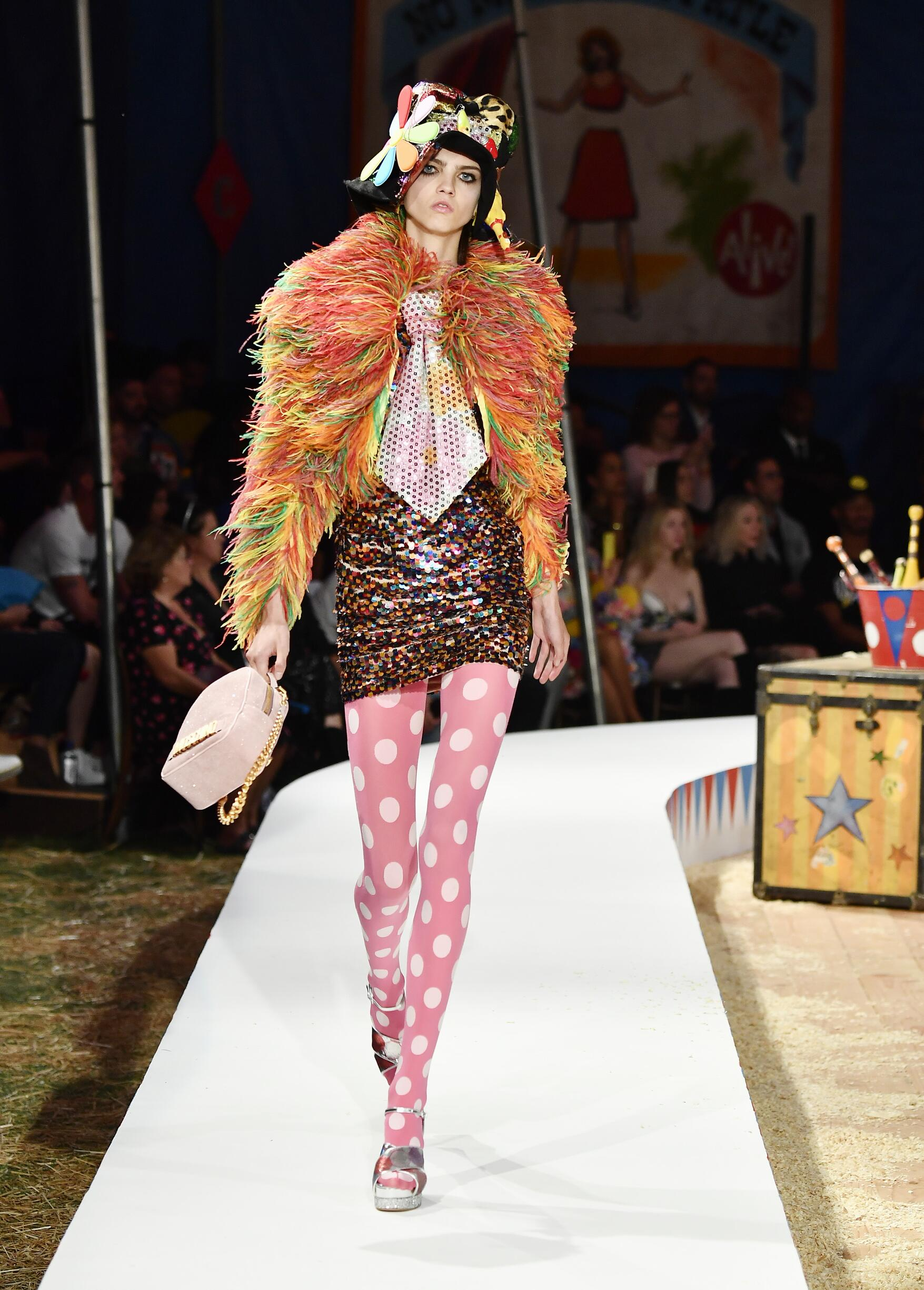 Moschino Spring Summer 2019 Menswear and Women's Resort Collection Look 31 Los Angeles