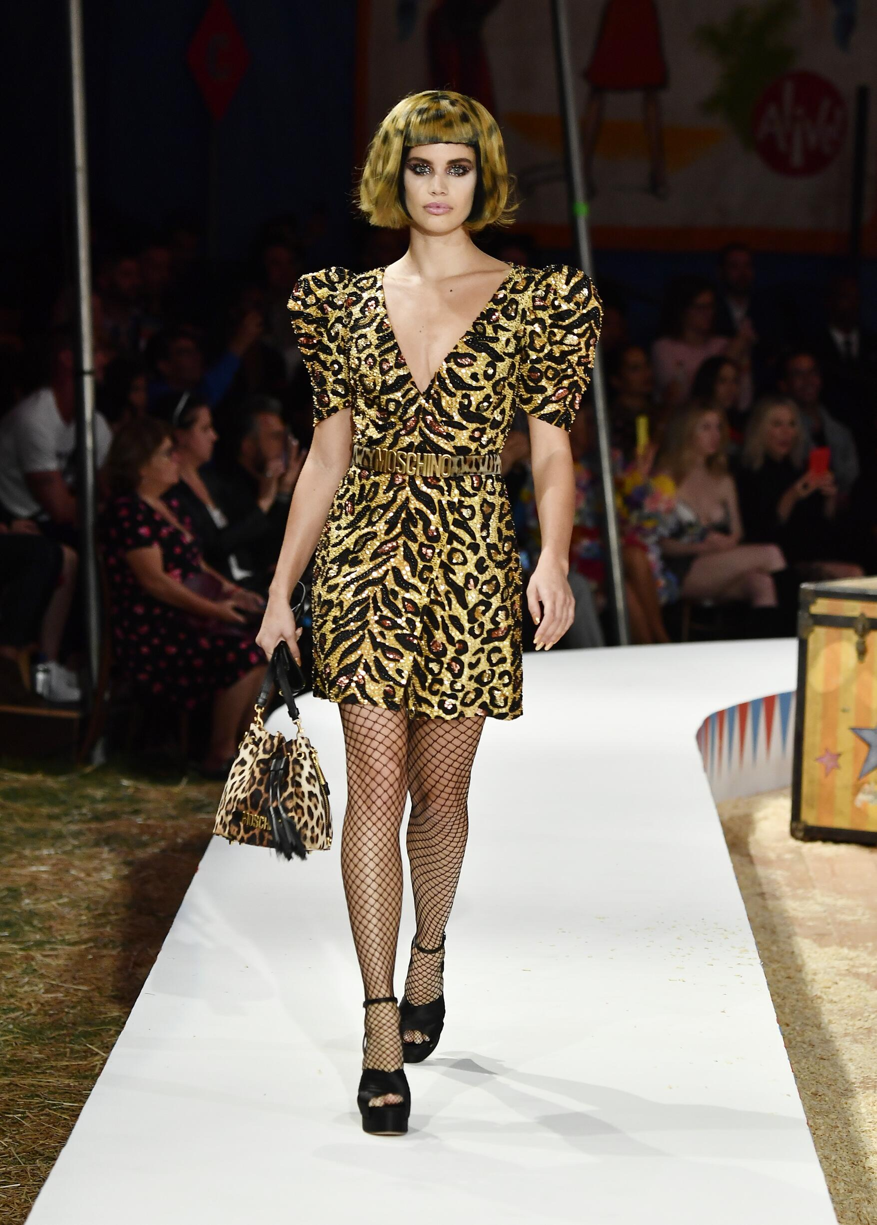 Moschino Spring Summer 2019 Menswear and Women's Resort Collection Look 35 Los Angeles
