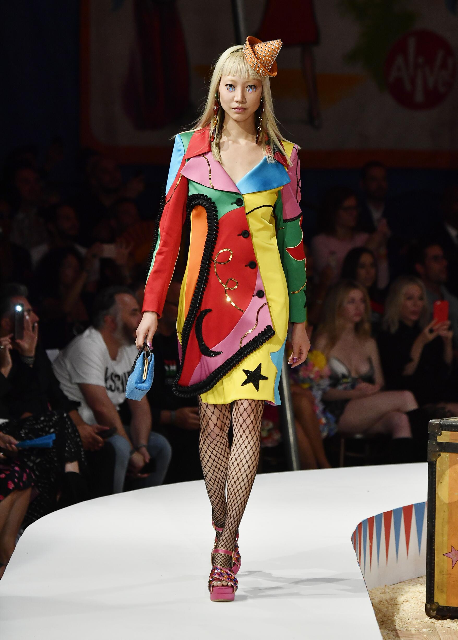 Moschino Spring Summer 2019 Menswear and Women's Resort Collection Look 36 Los Angeles