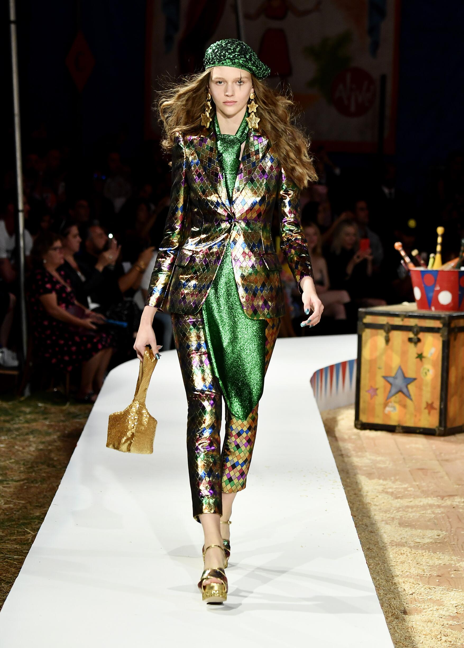Moschino Spring Summer 2019 Menswear and Women's Resort Collection Look 38 Los Angeles