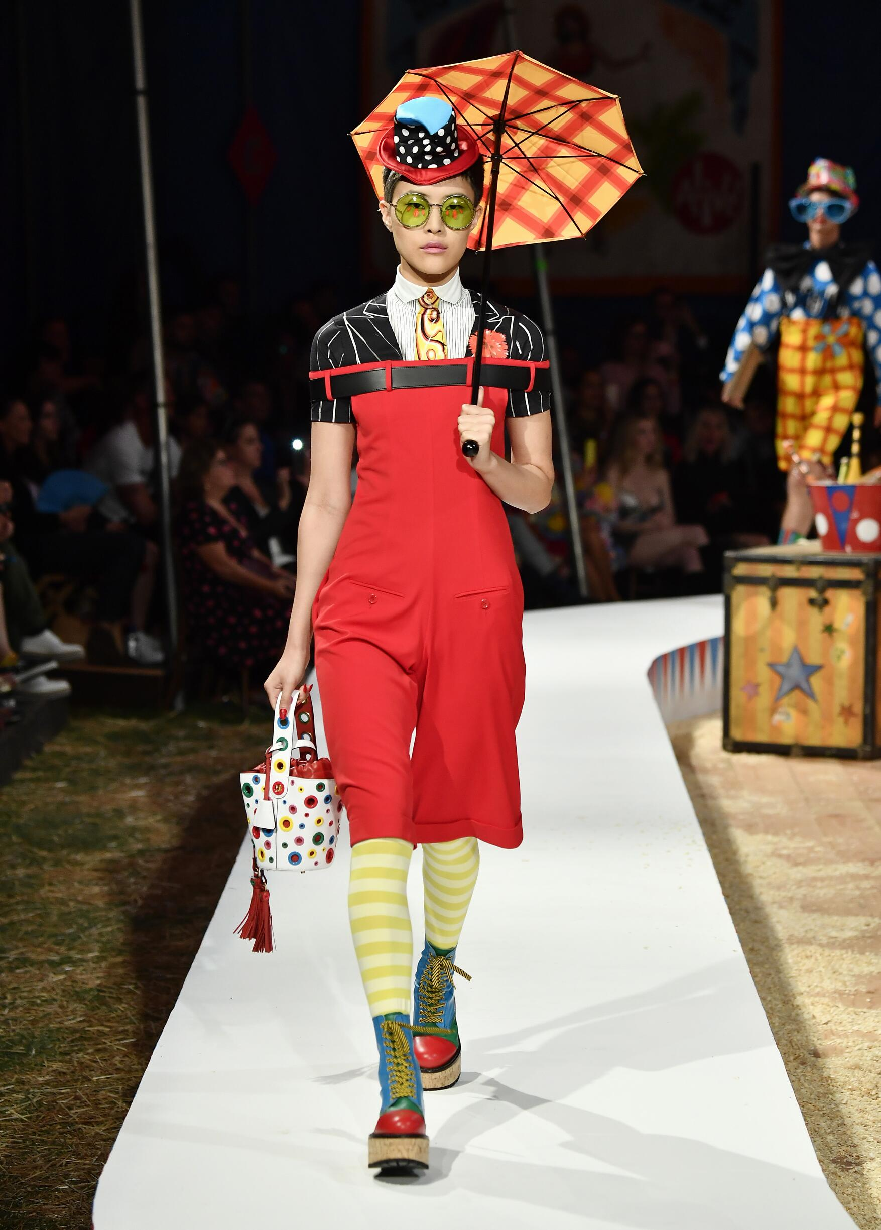 Moschino Spring Summer 2019 Menswear and Women's Resort Collection Look 44 Los Angeles