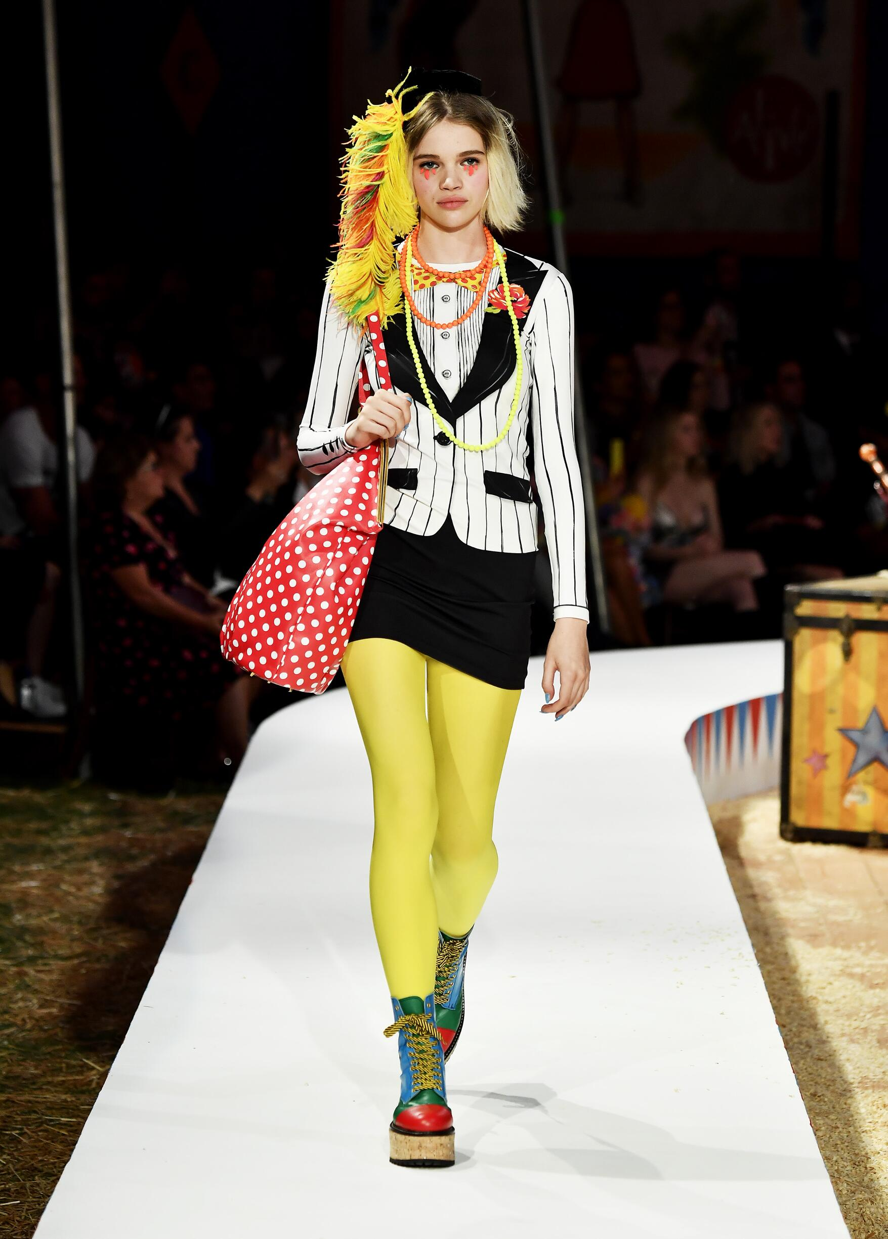 Moschino Spring Summer 2019 Menswear and Women's Resort Collection Look 47 Los Angeles