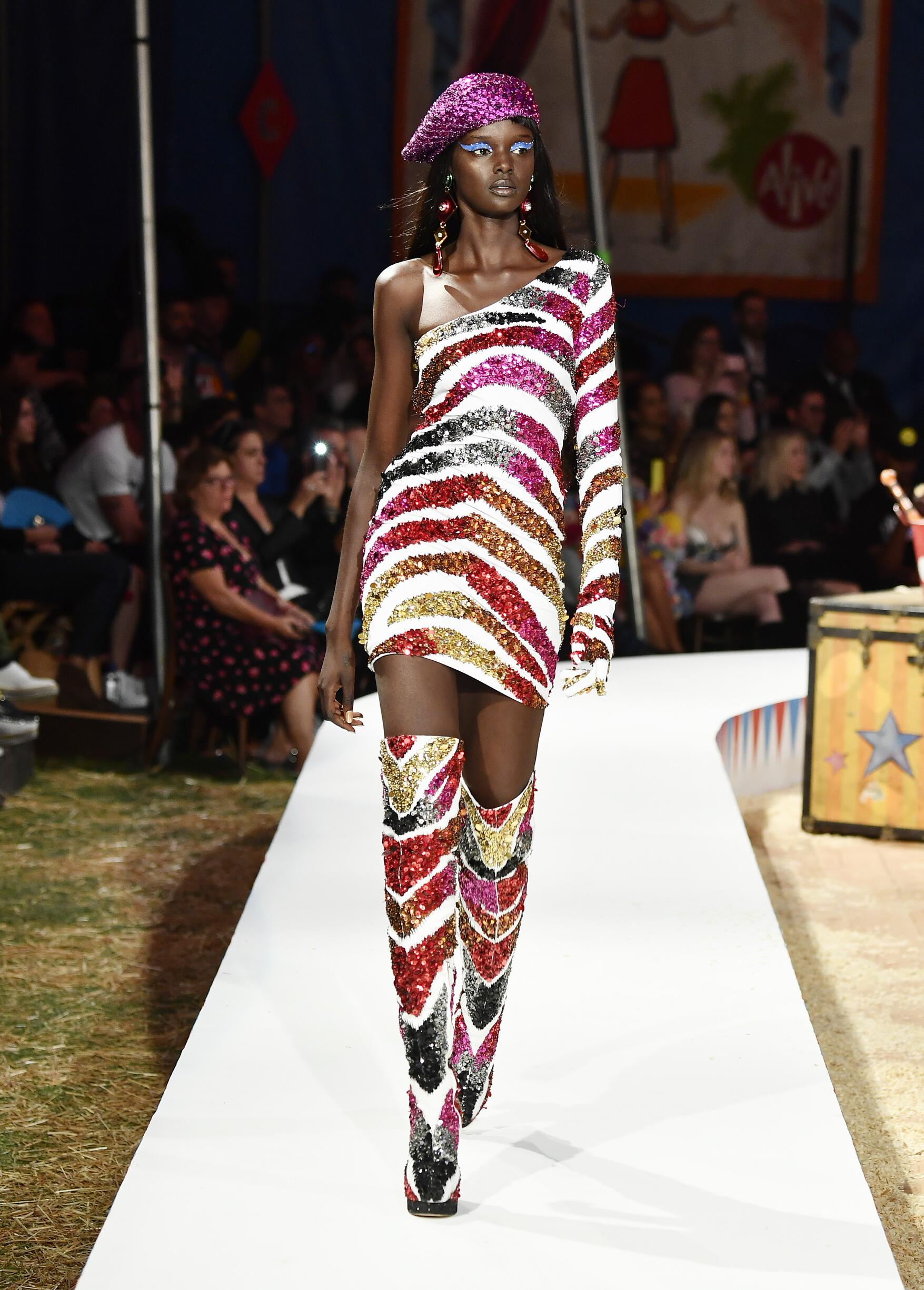 Moschino Spring Summer 2019 Menswear and Women's Resort Collection Look 50 Los Angeles