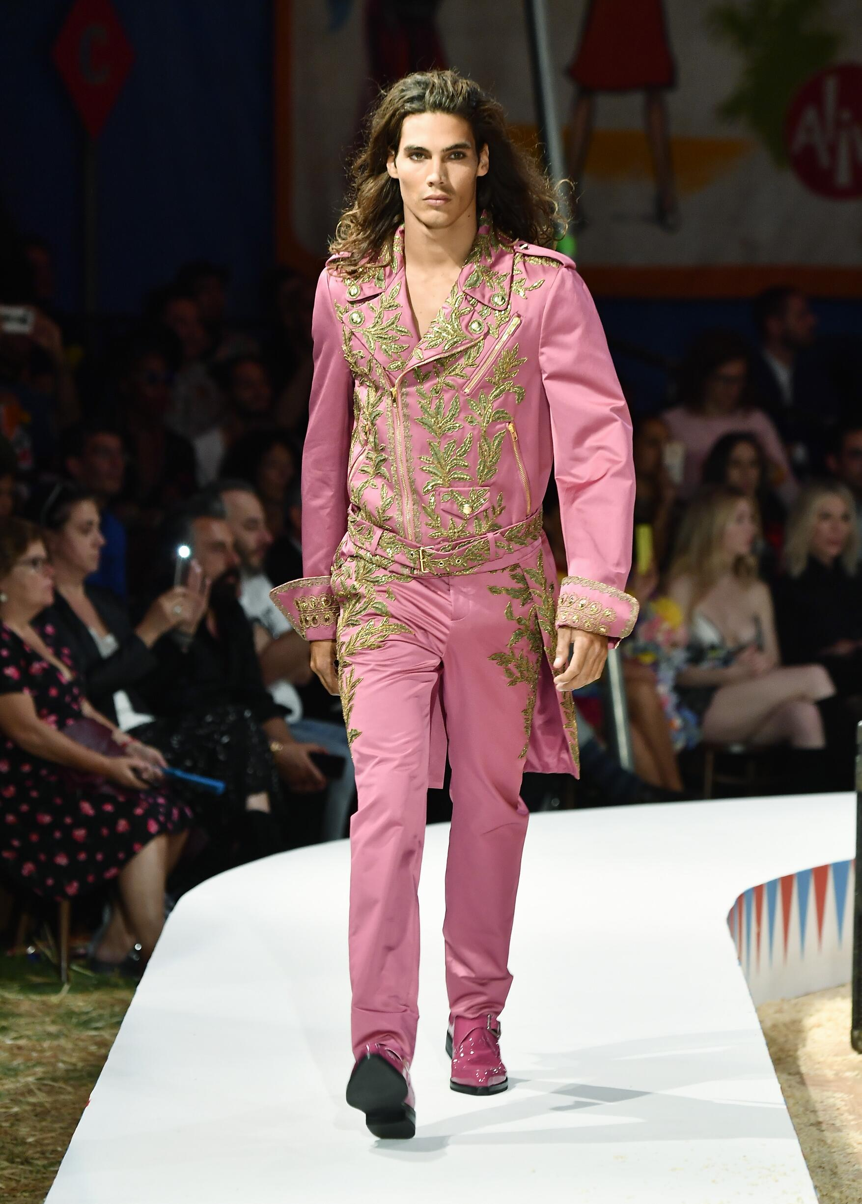 Moschino Spring Summer 2019 Menswear and Women's Resort Collection Look 55 Los Angeles