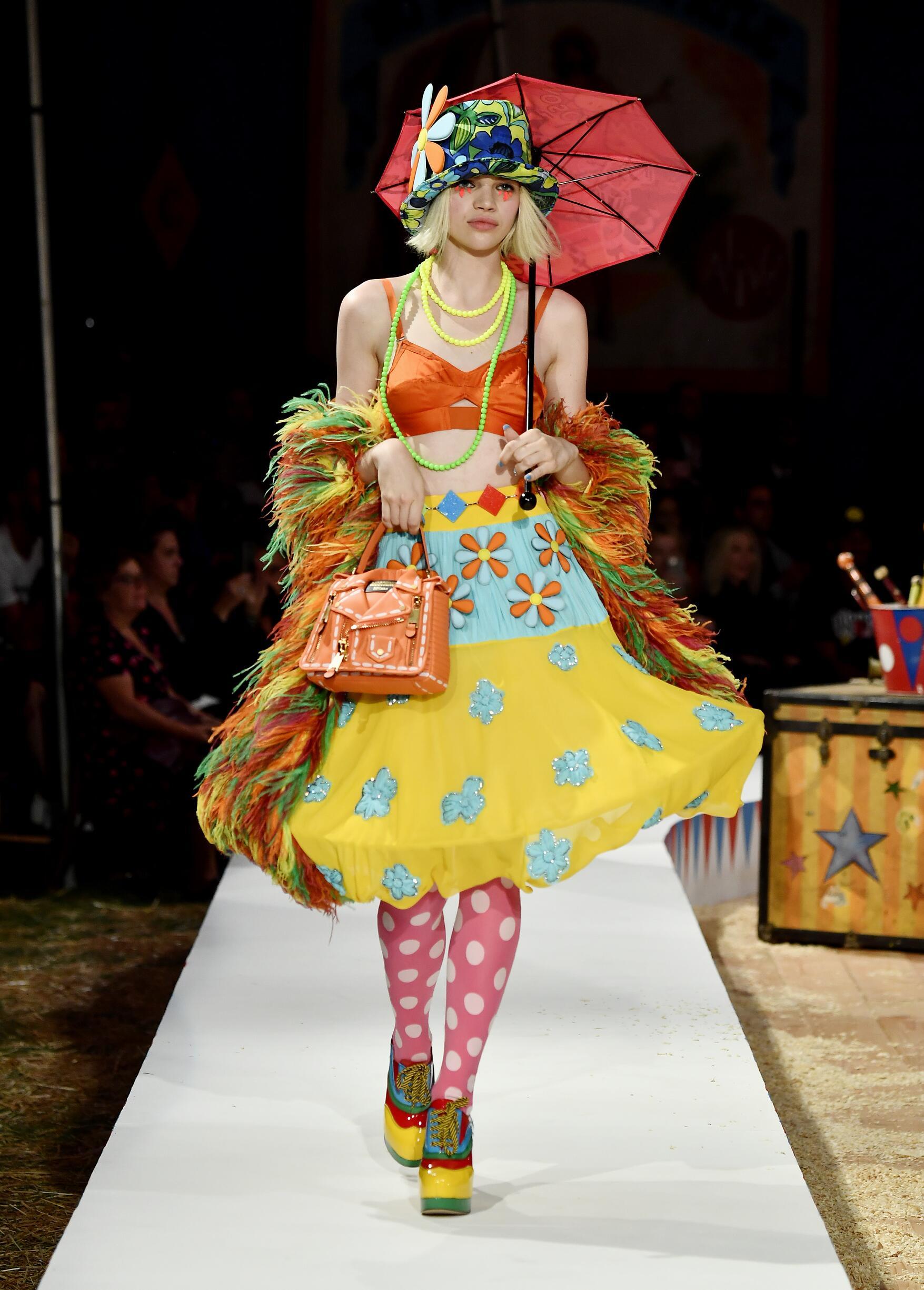 Moschino Spring Summer 2019 Menswear and Women's Resort Collection Look 56 Los Angeles