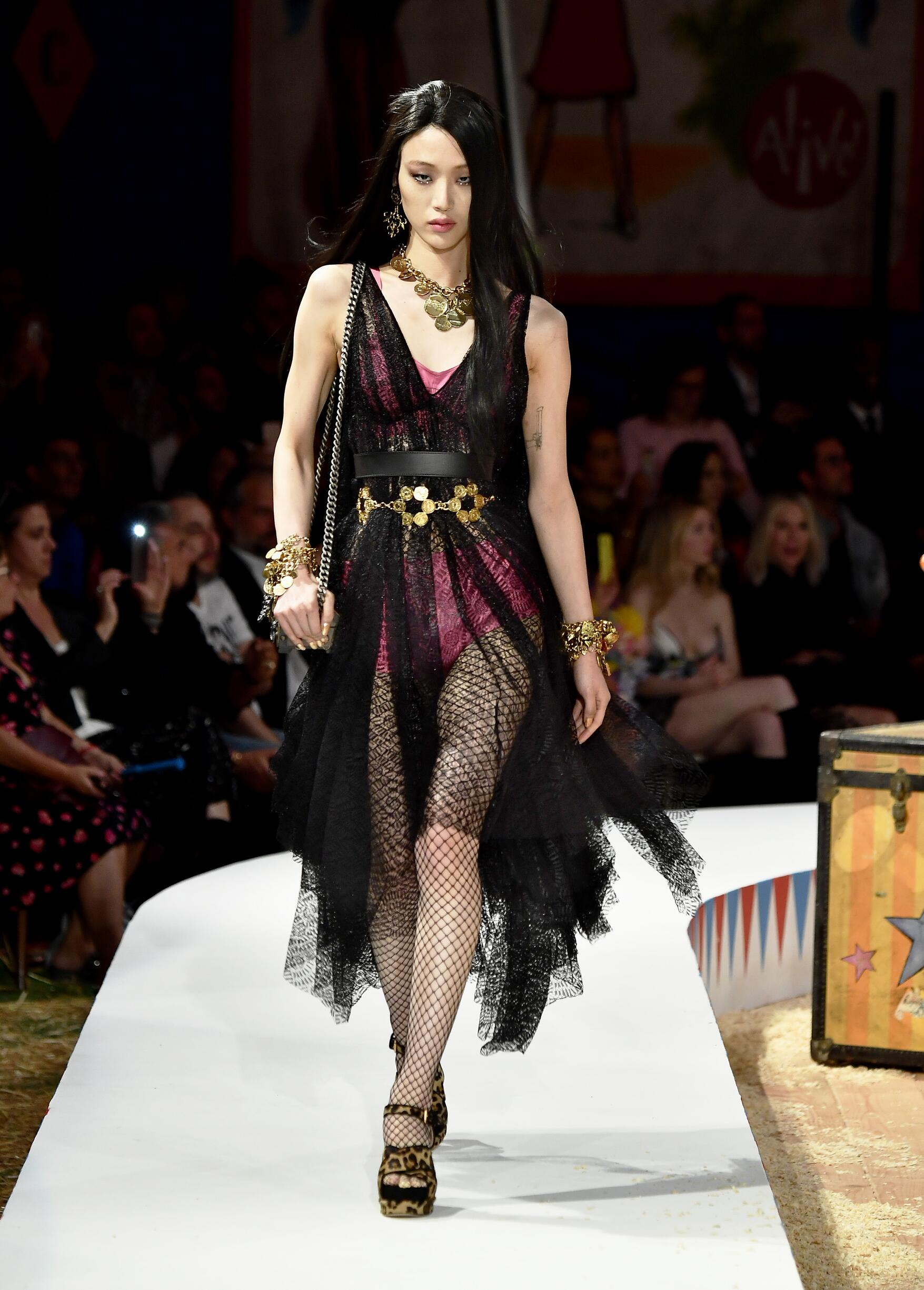 Moschino Spring Summer 2019 Menswear and Women's Resort Collection Look 57 Los Angeles
