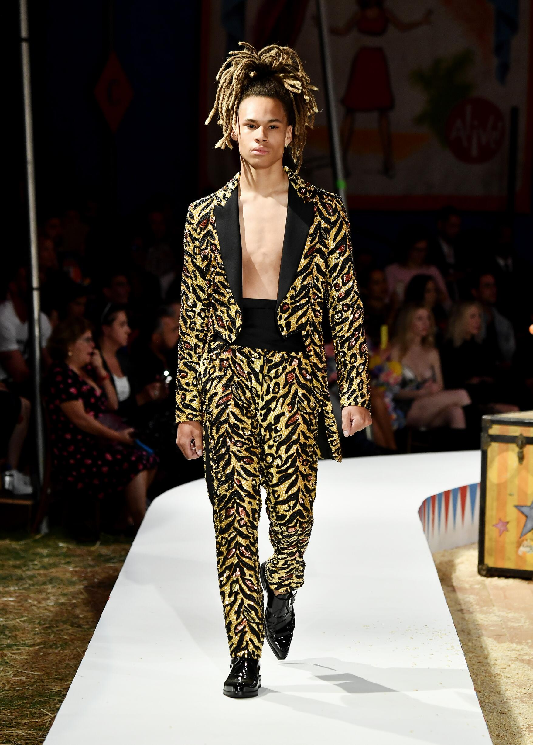 Moschino Spring Summer 2019 Menswear and Women's Resort Collection Look 58 Los Angeles