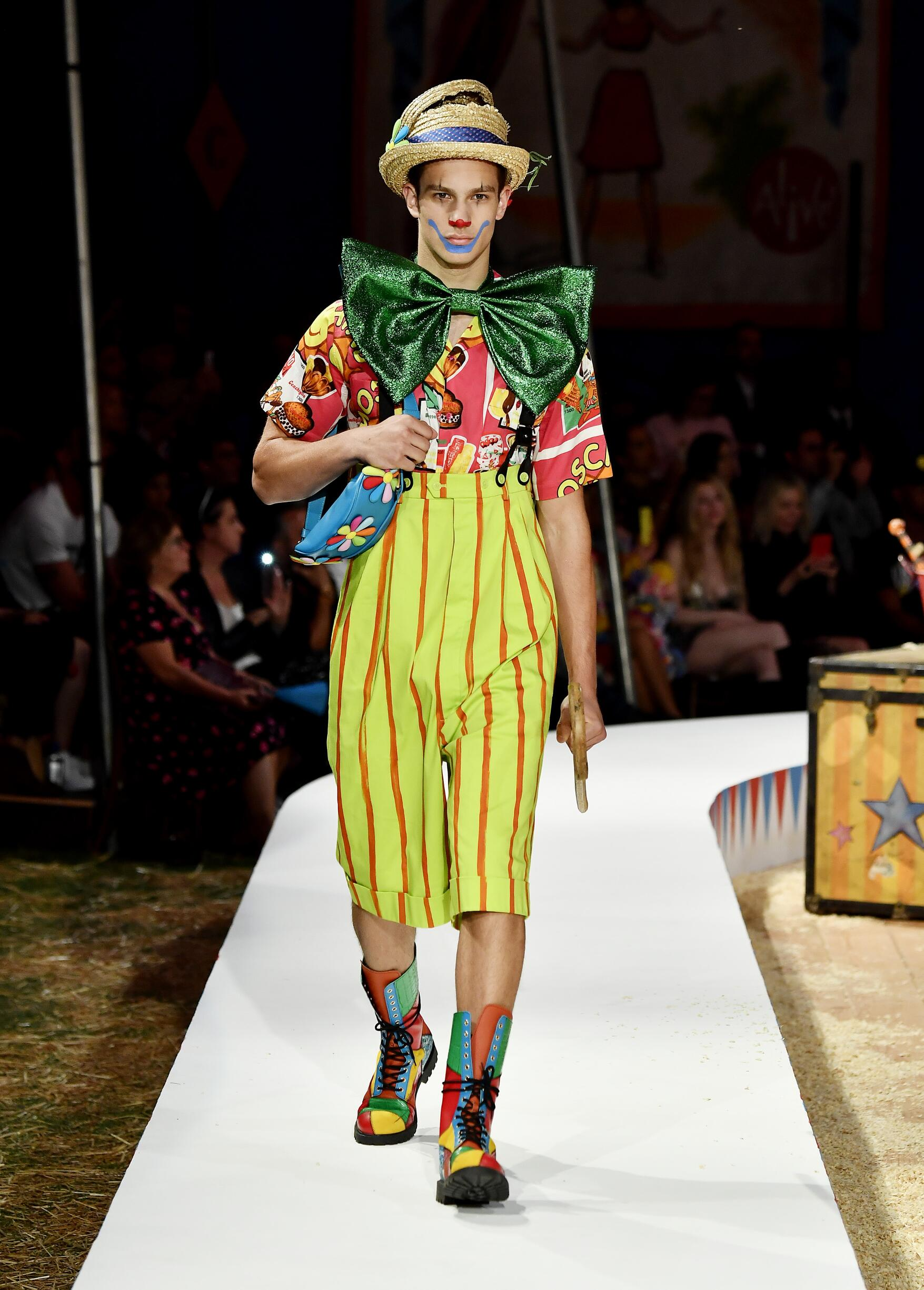Moschino Spring Summer 2019 Menswear and Women's Resort Collection Look 69 Los Angeles