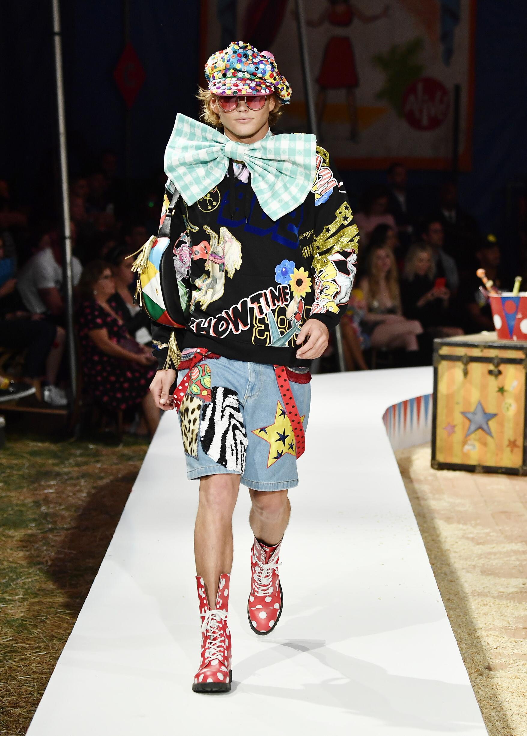 Moschino Spring Summer 2019 Menswear and Women's Resort Collection Look 71 Los Angeles