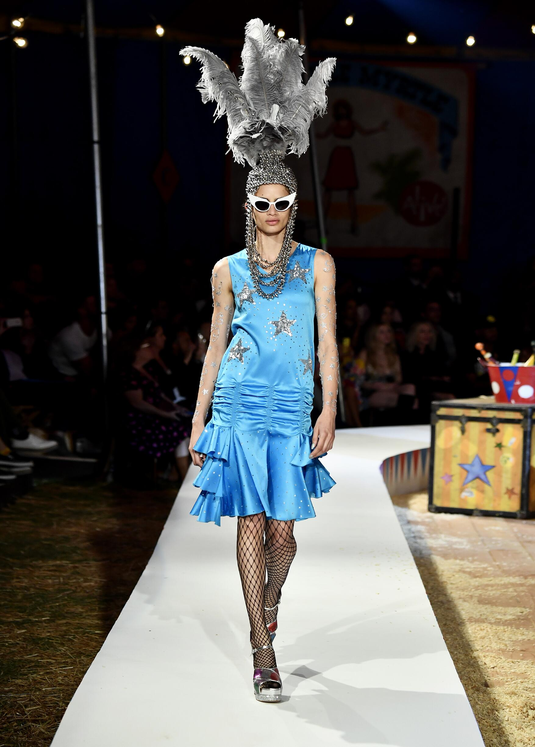 Moschino Spring Summer 2019 Menswear and Women's Resort Collection Look 83 Los Angeles