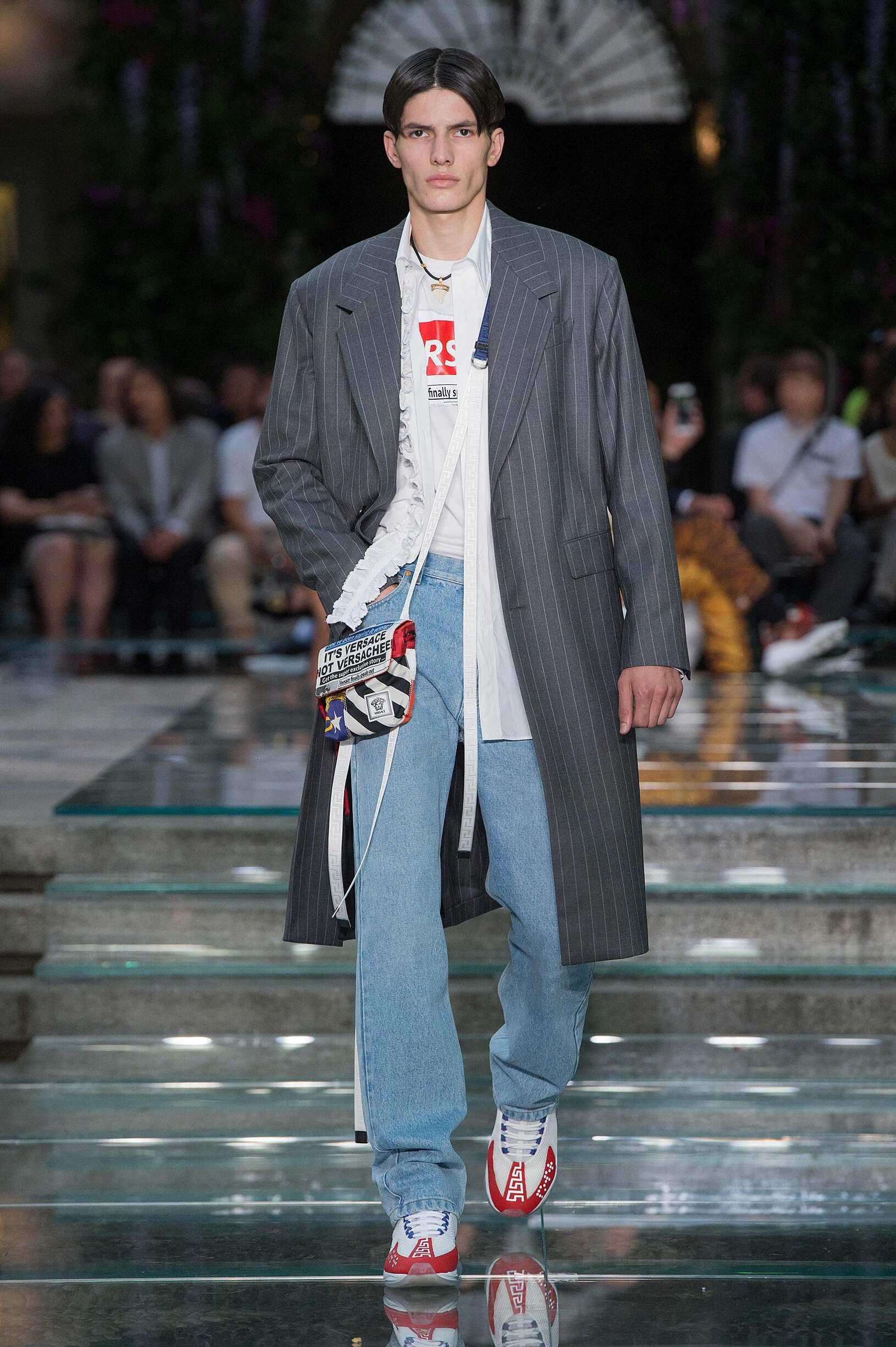 SS 2019 Versace Fashion Show