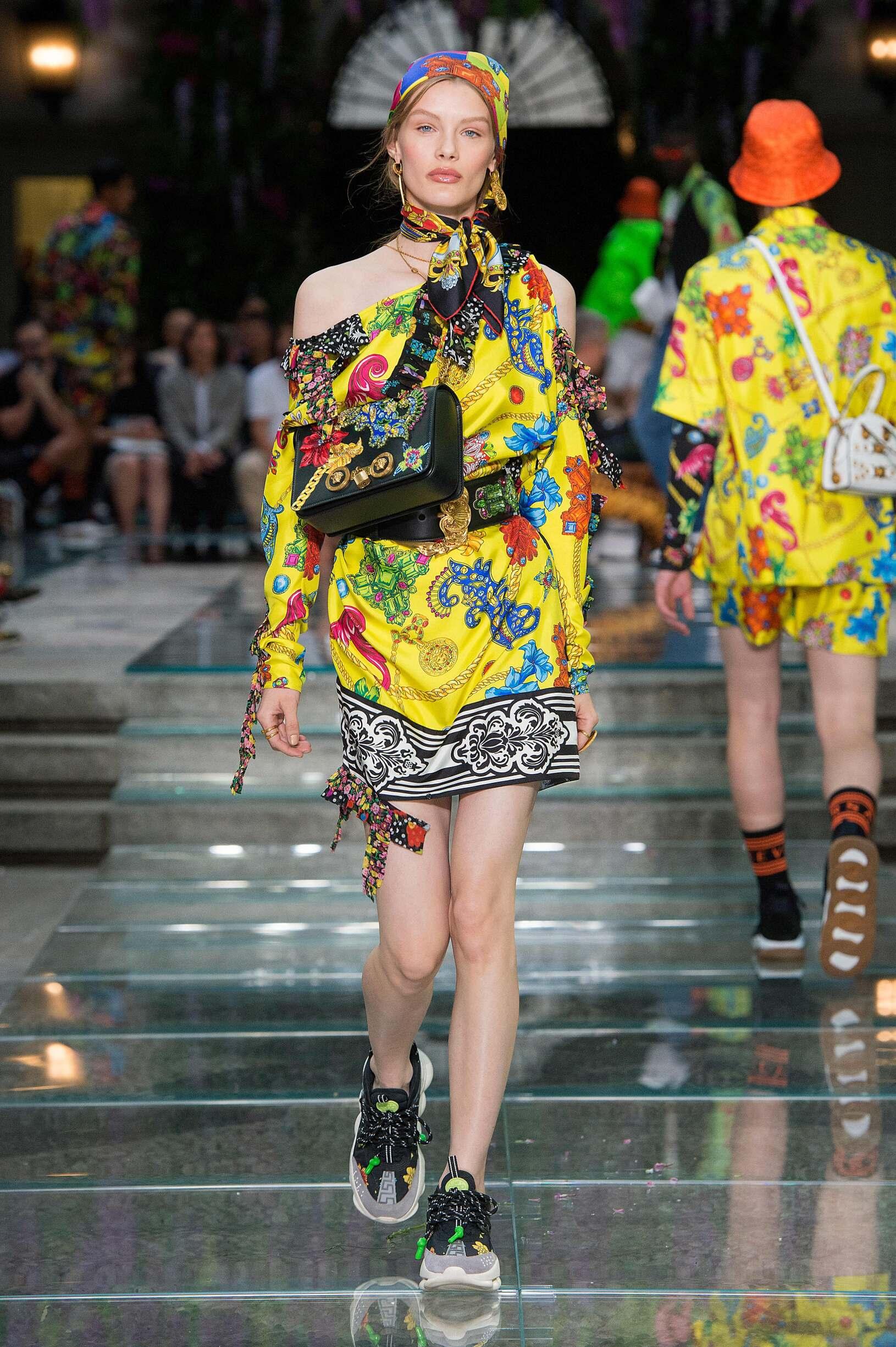 Woman SS 2019 Versace Fashion Show Milan