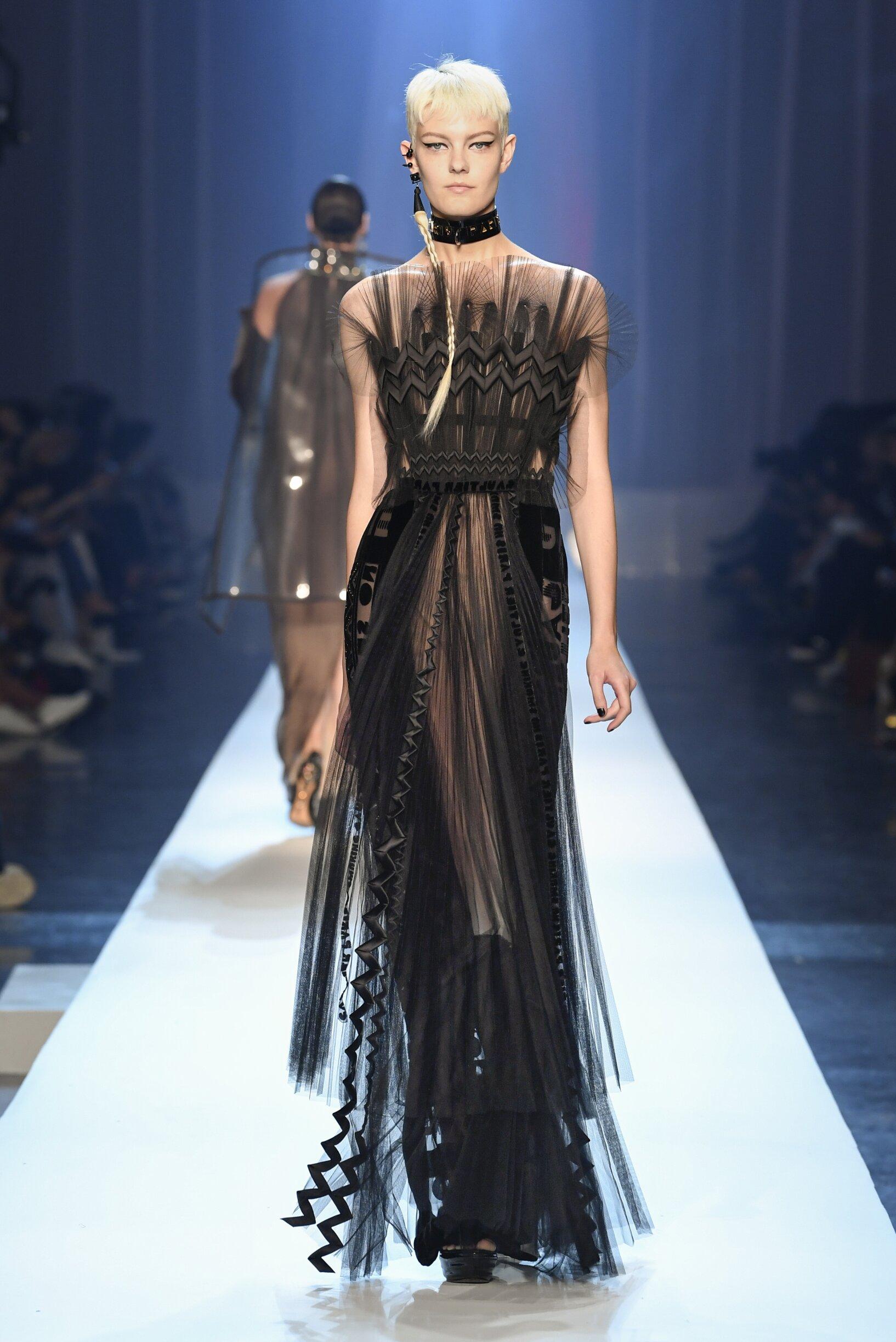 2018 Catwalk Jean-Paul Gaultier Haute Couture Woman Fashion Show Winter
