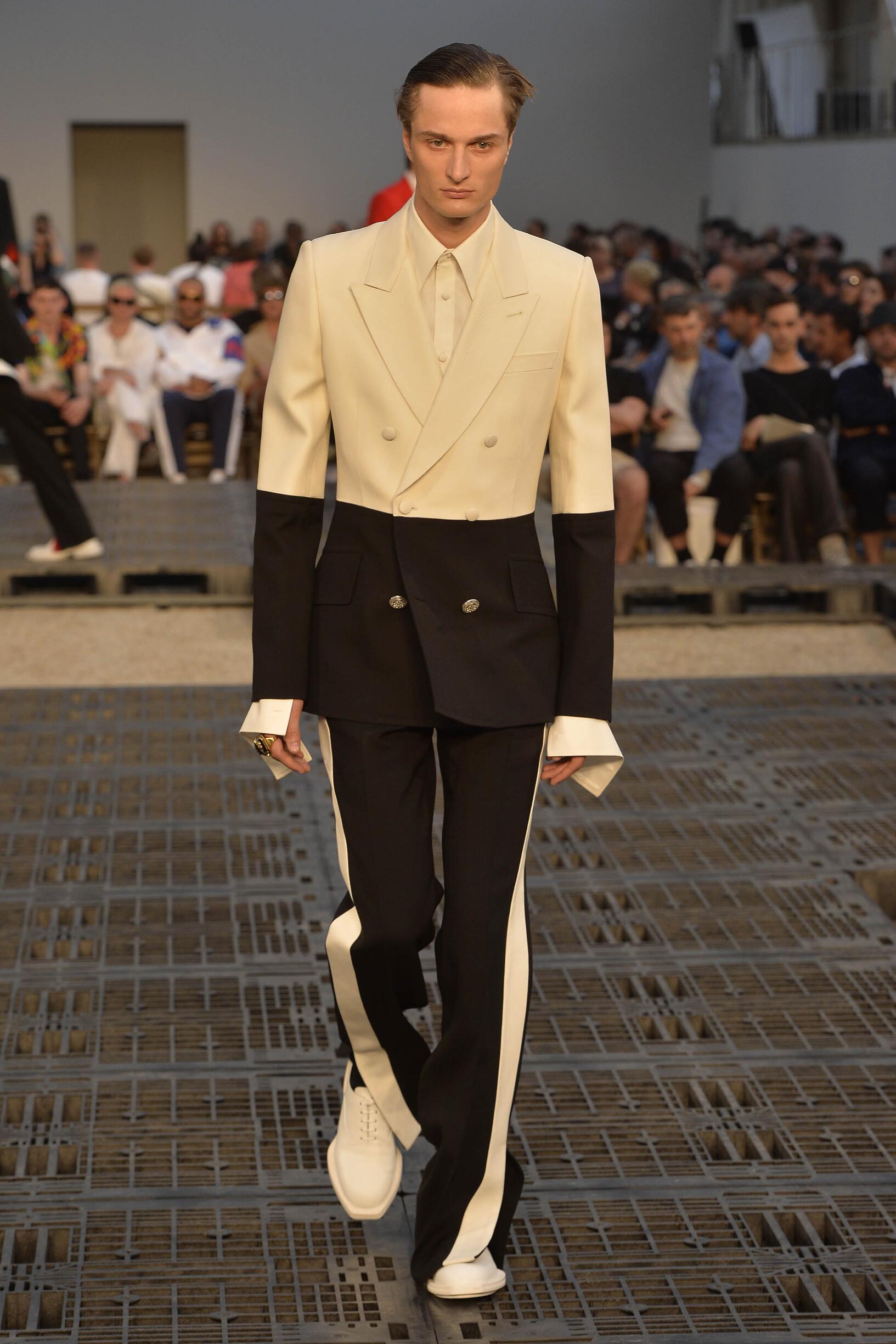 2019 Alexander McQueen Spring Catwalk
