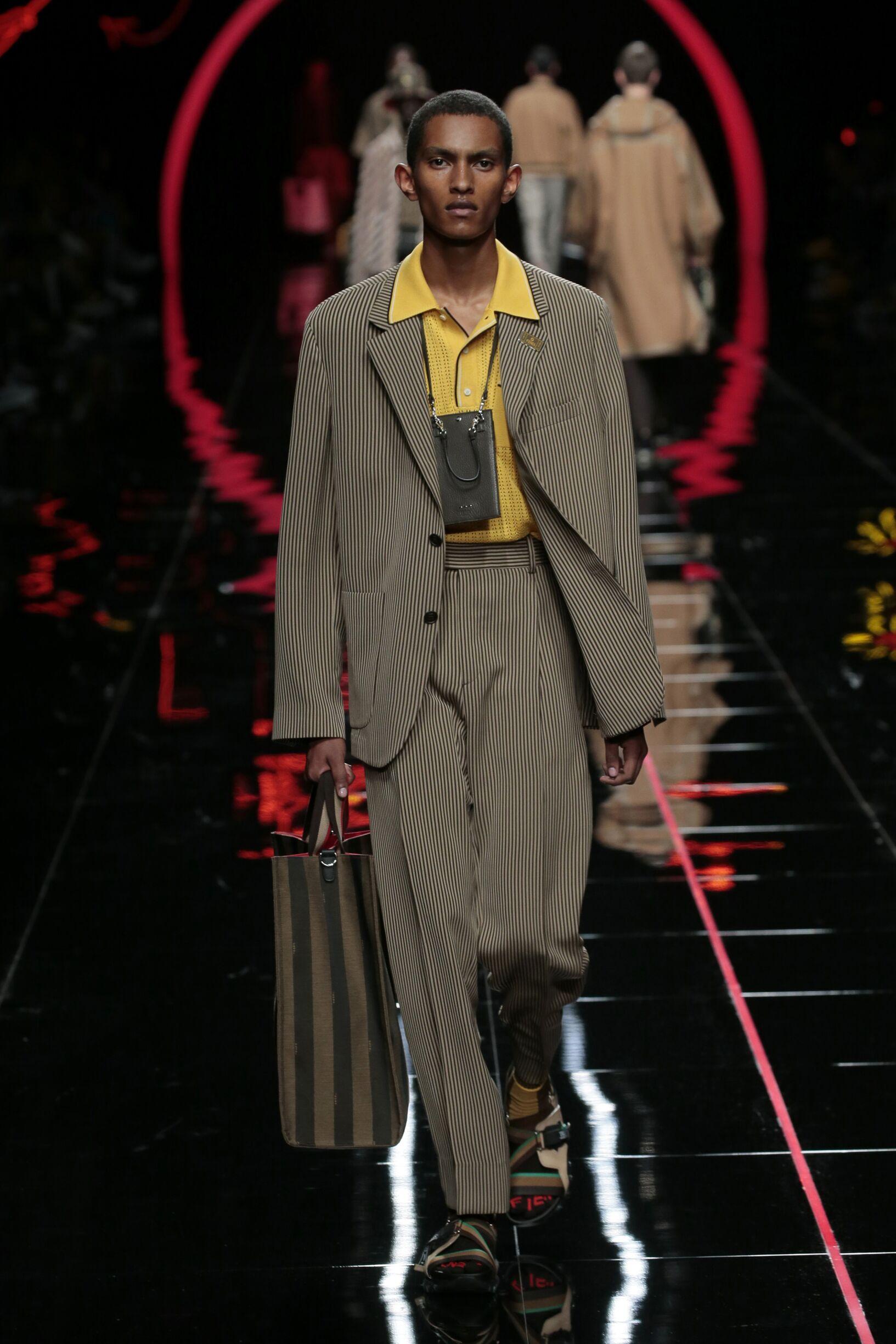 2019 Catwalk Fendi Man Fashion Show Summer