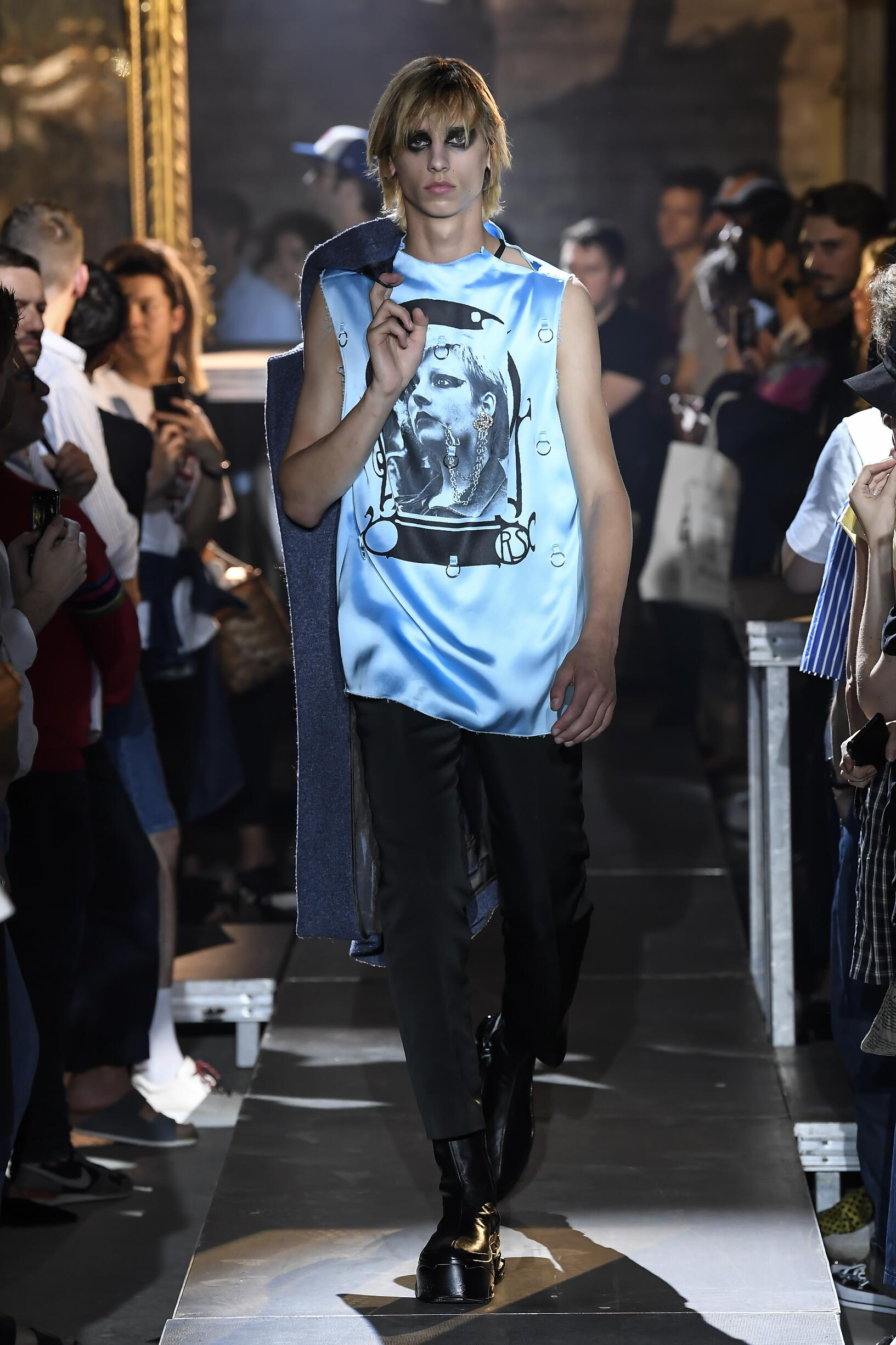 2019 Catwalk Raf Simons Man Fashion Show Summer