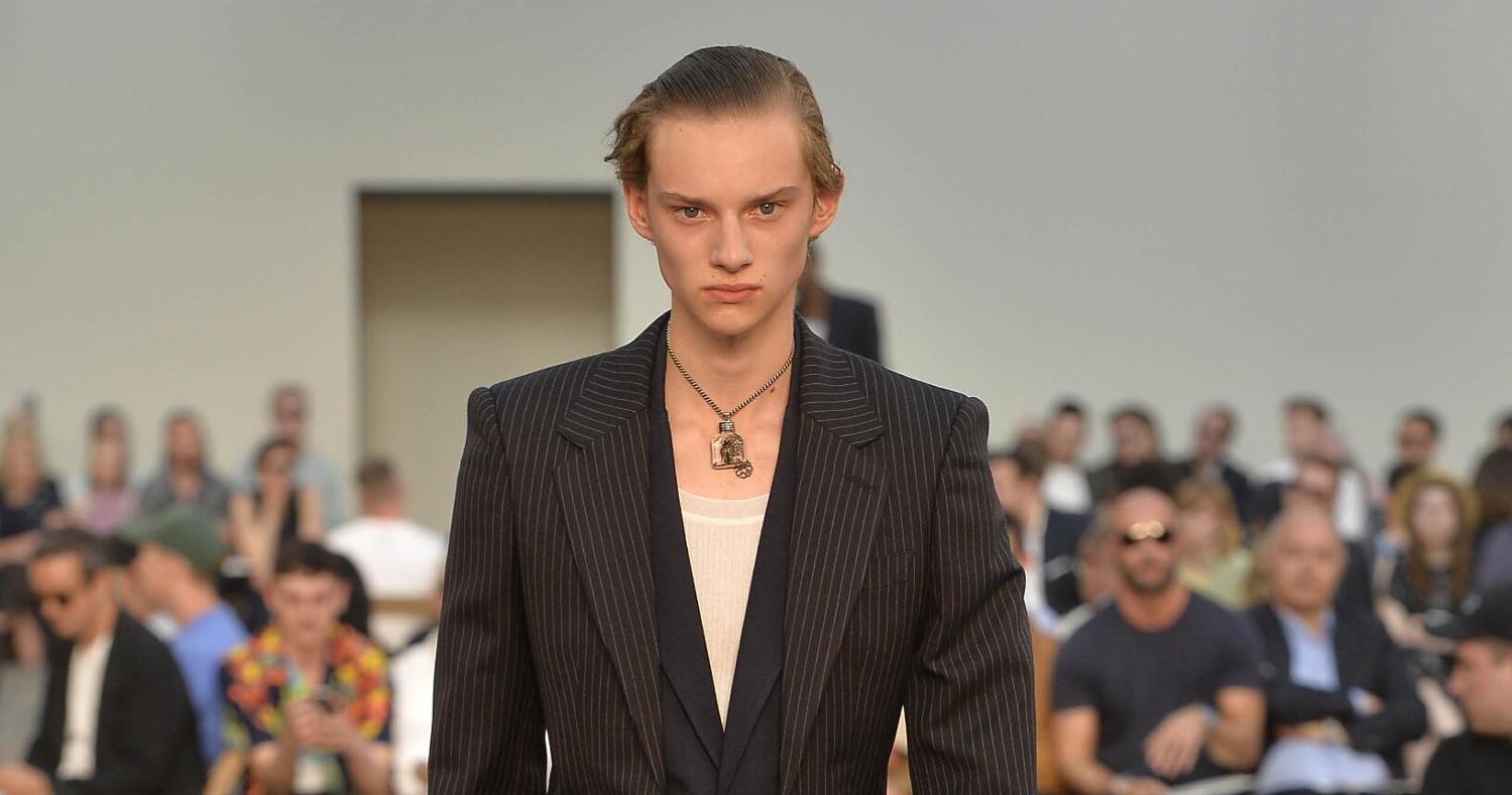 Alexander McQueen Fashion Show SS 2019 Paris