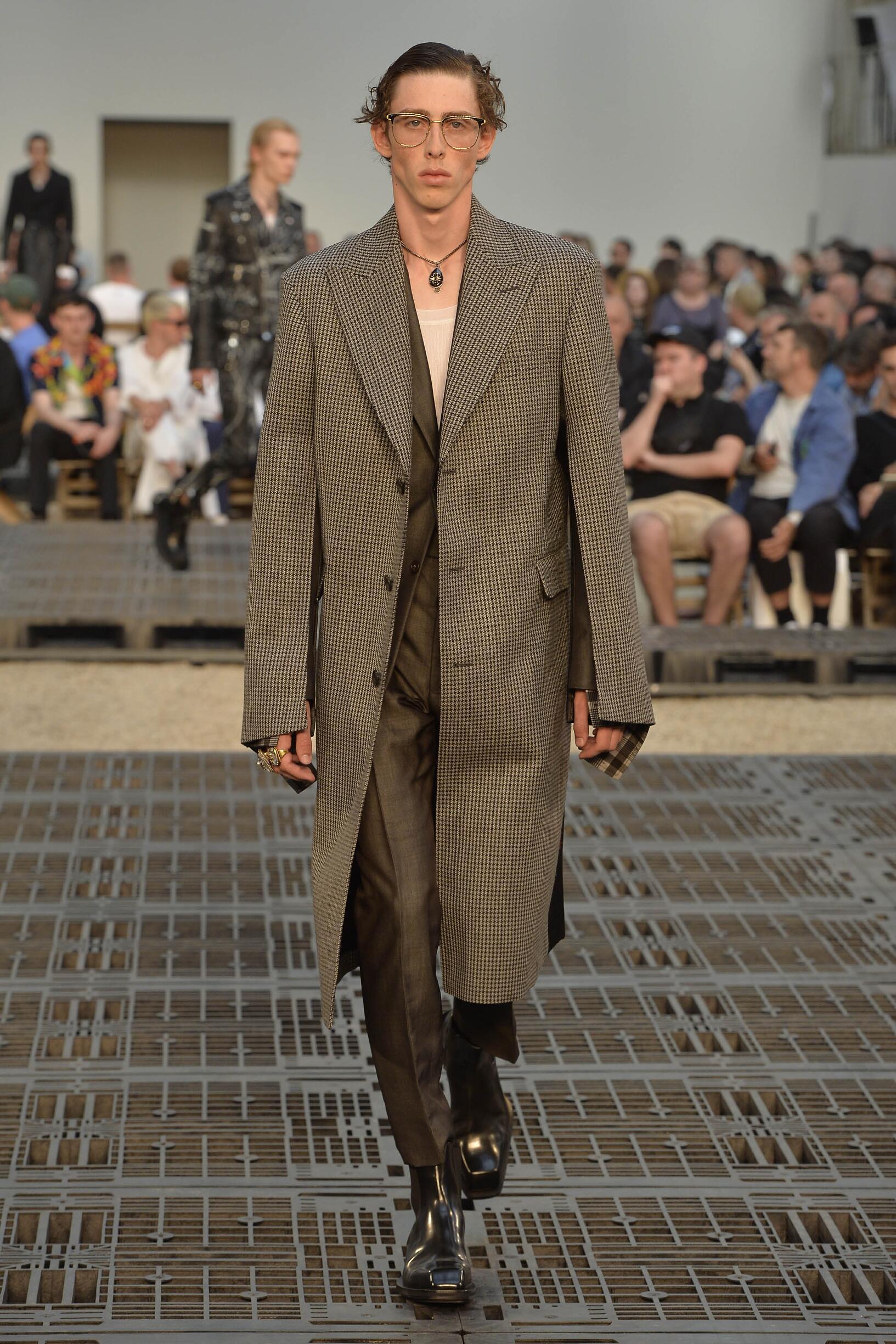 Alexander McQueen SS 2019 Menswear